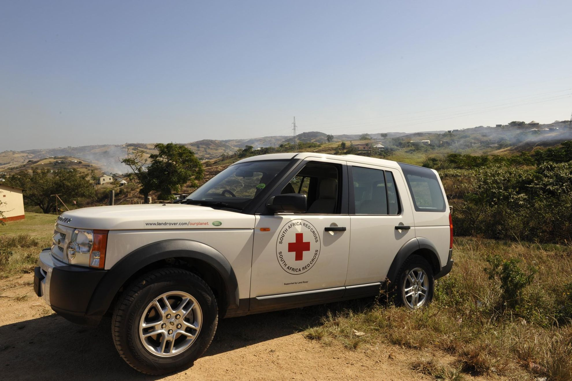 Land Rover renews Global_Humanitarian Partnership