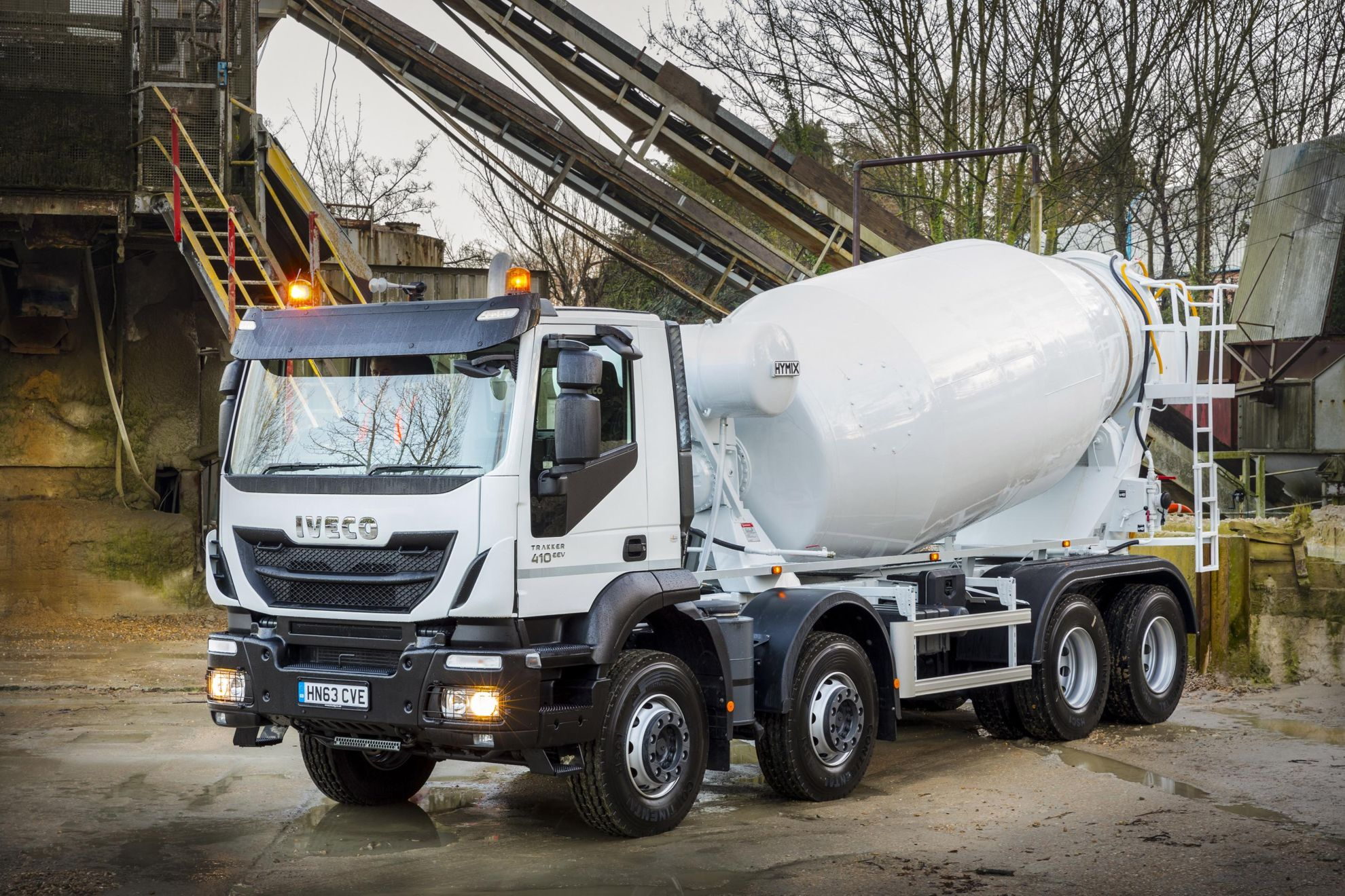 Iveco Trakker Hi Land Mixes It With Johnston Services