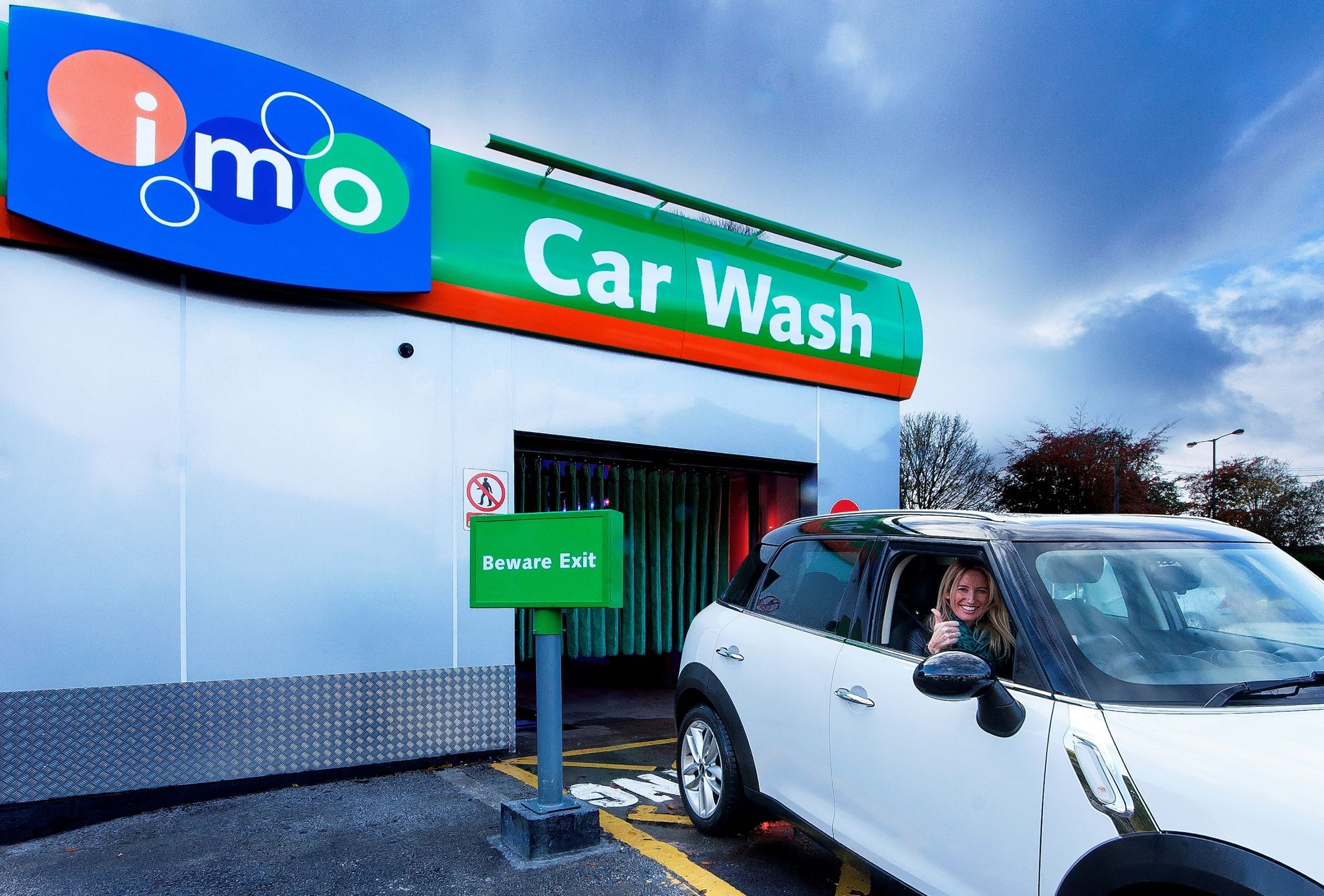 Hand Wash Car Wash >> IMO Car Wash Group Competition to find Britains Grubbiest Drivers