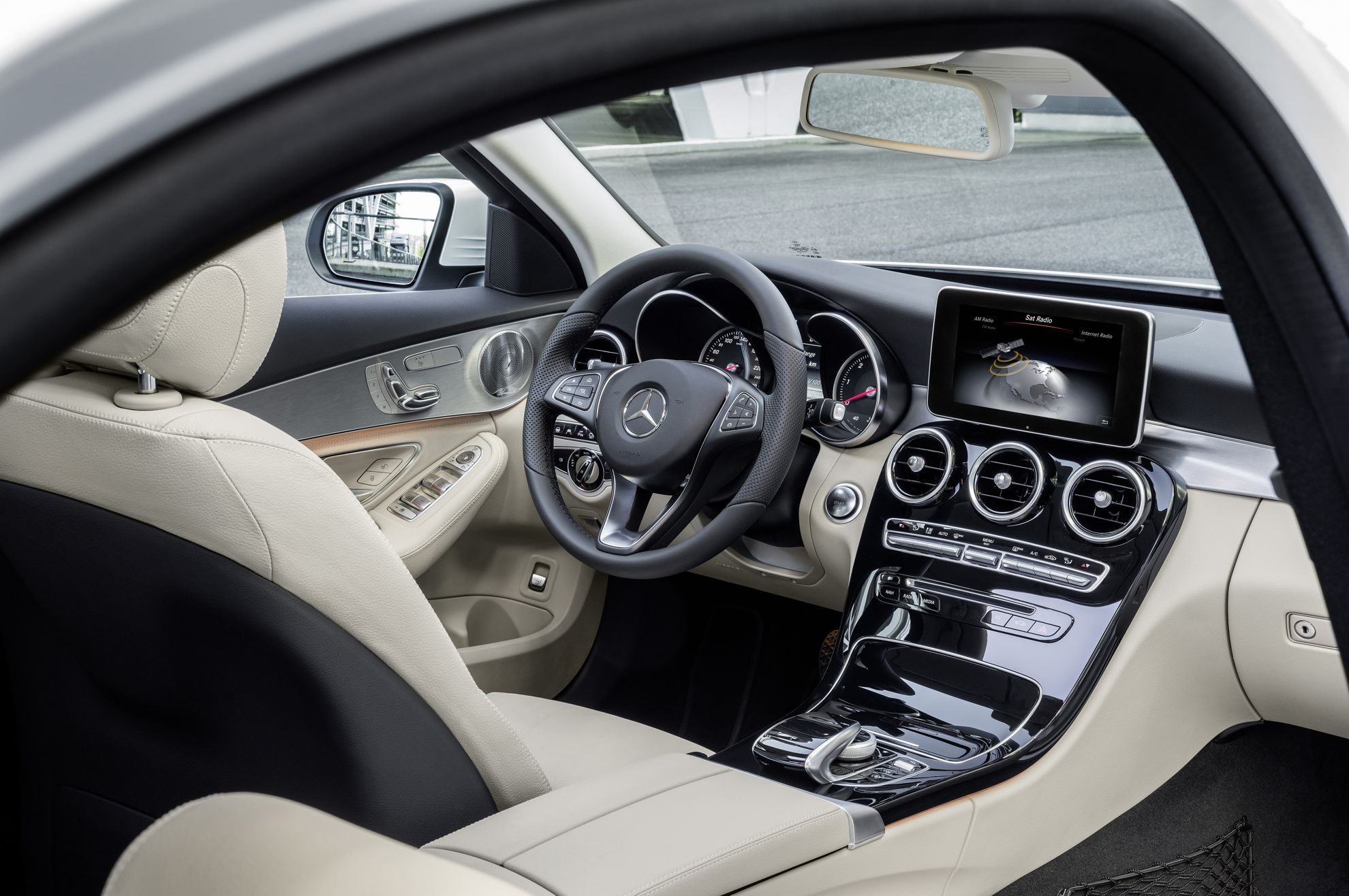 Mercedes-Benz-C-Interior