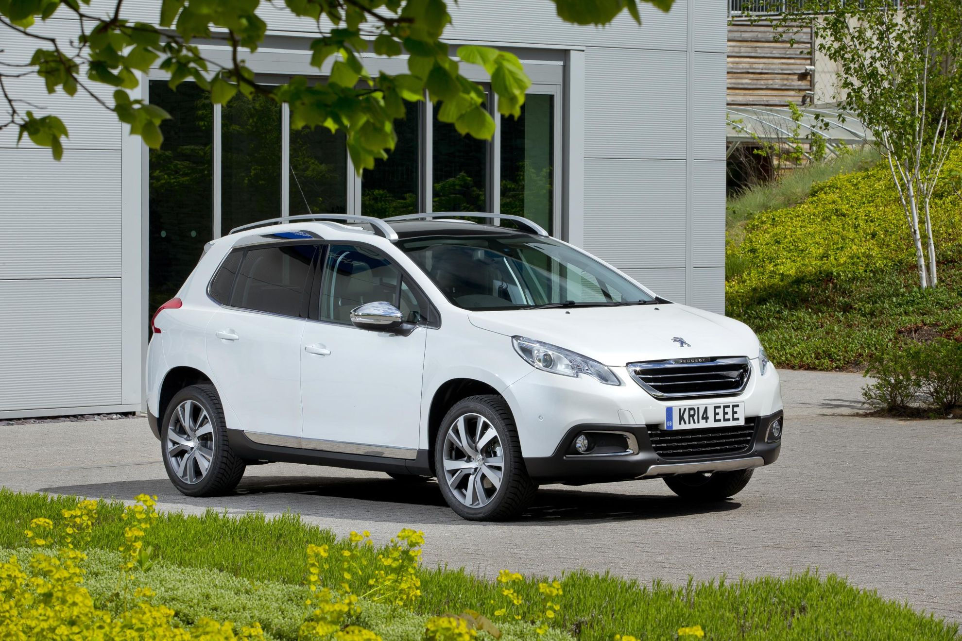 100 000th peugeot 2008 rolls off the production line already. Black Bedroom Furniture Sets. Home Design Ideas