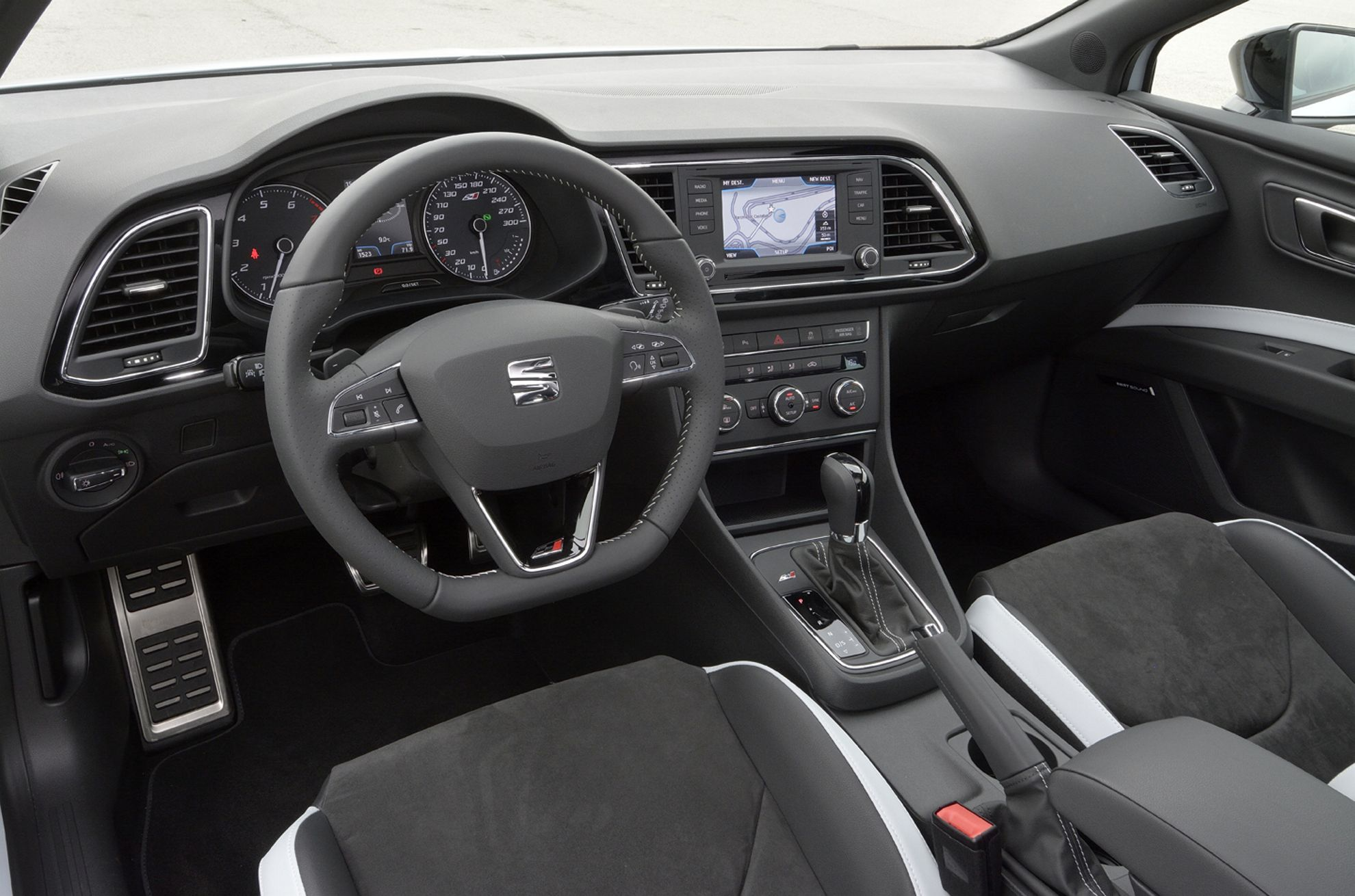 How much does a seat leon cupra cost in the uk - Seat leon interior ...