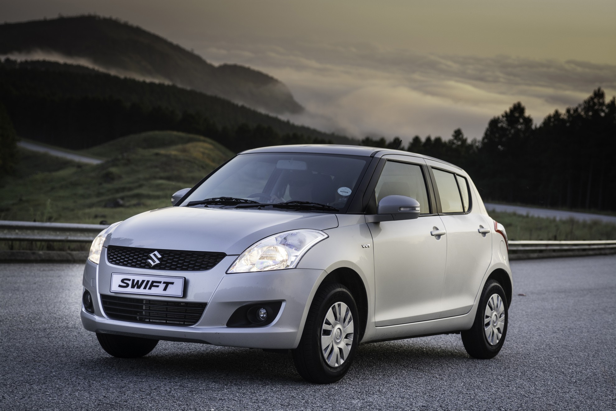 Suzuki-Swift_1_2