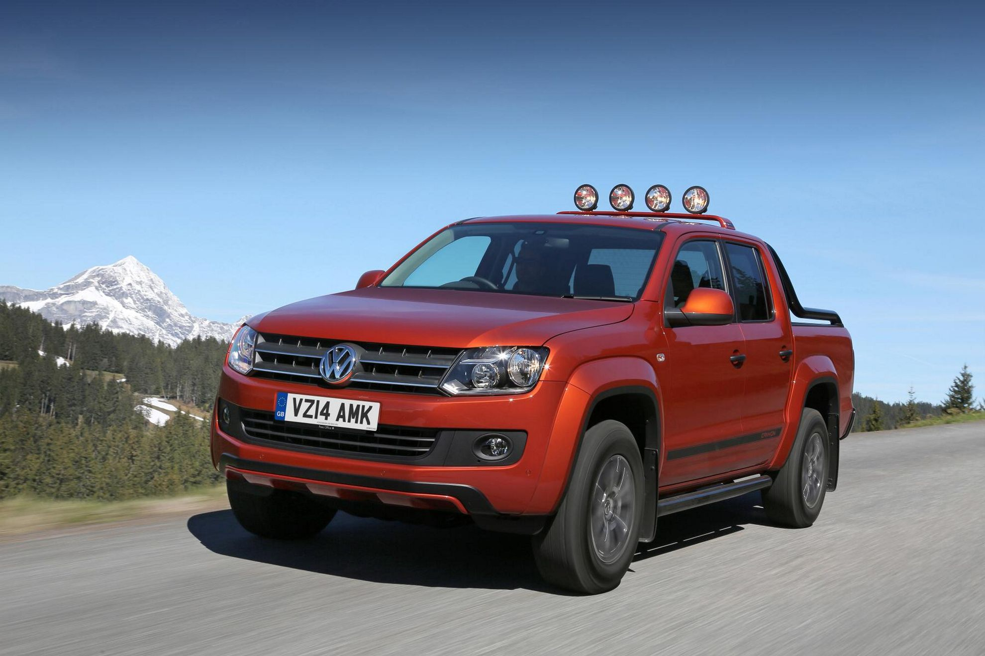 limited edition volkswagen amarok. Black Bedroom Furniture Sets. Home Design Ideas