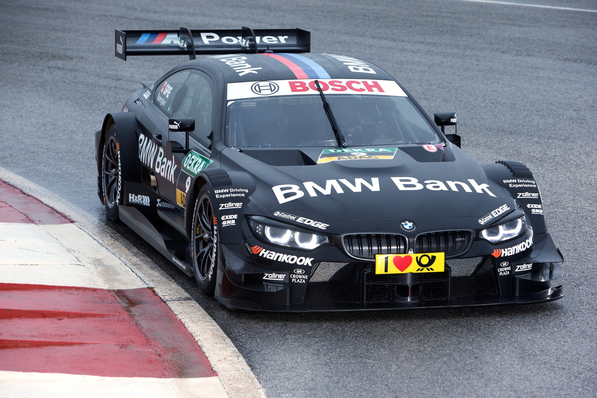 Black-BMW-Racing-Car
