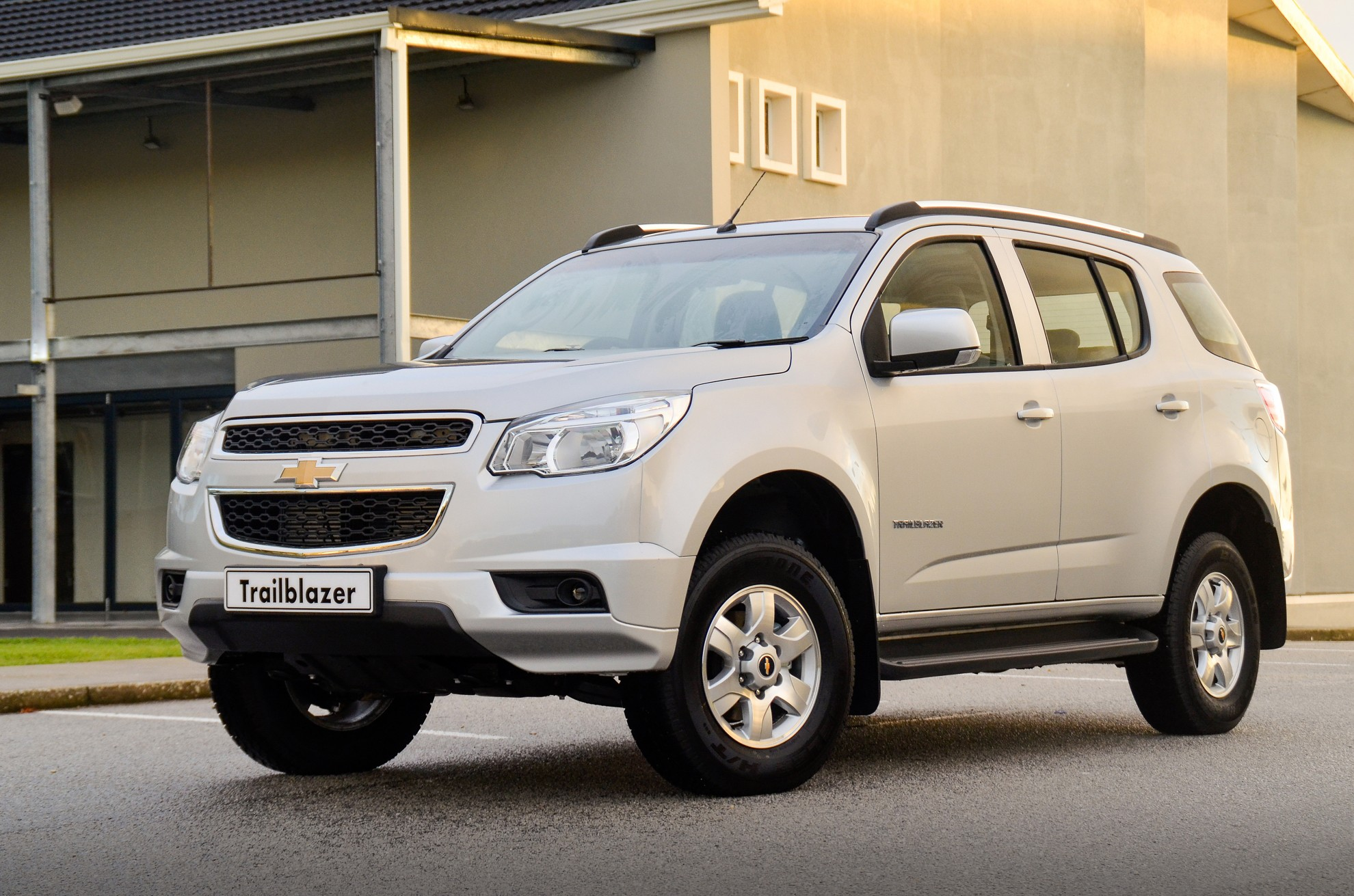 Chevy Suv Models >> Chevrolet Trailblazer South Africa upgraded for 2014