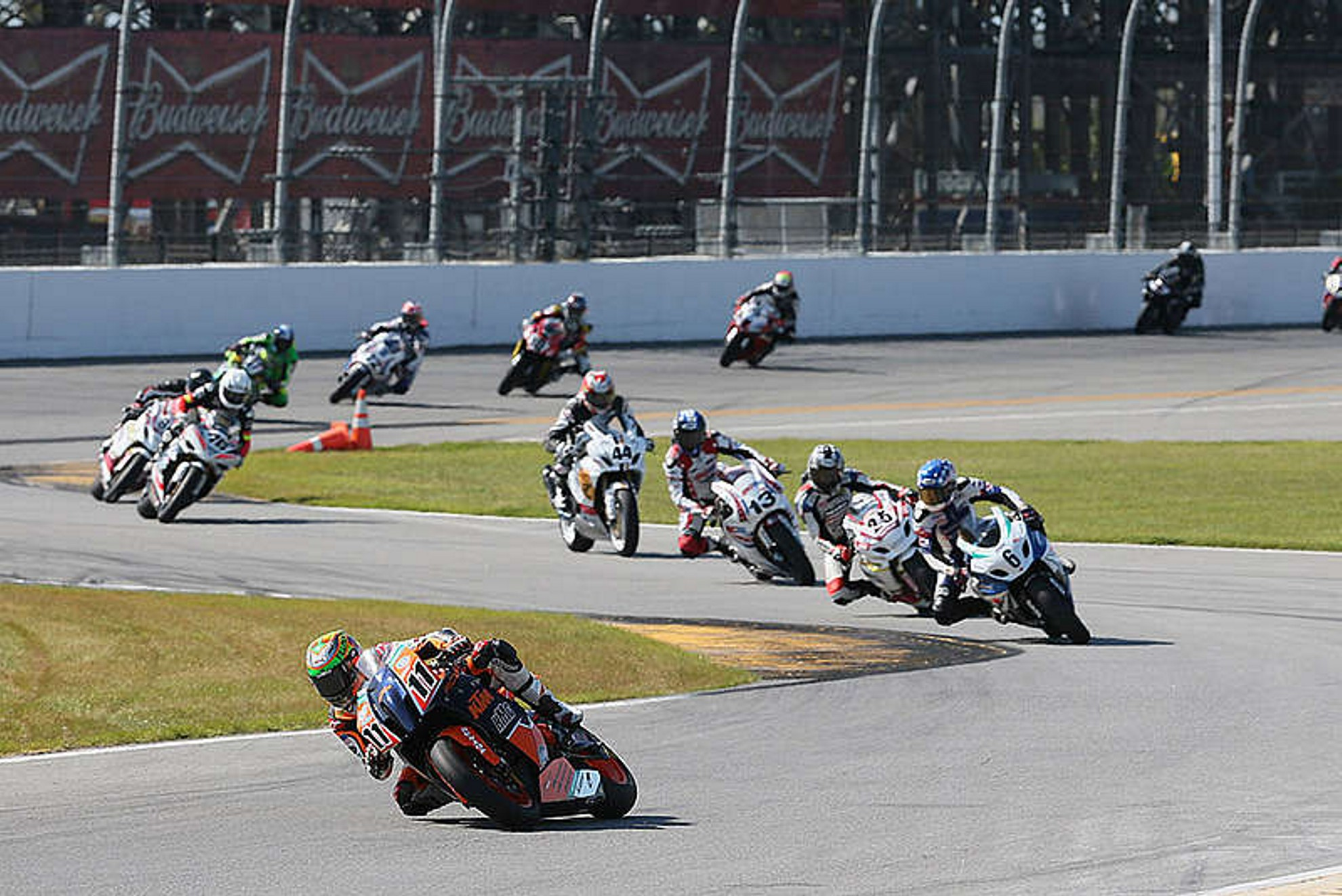 Daytona-2014-Superbike-Racing