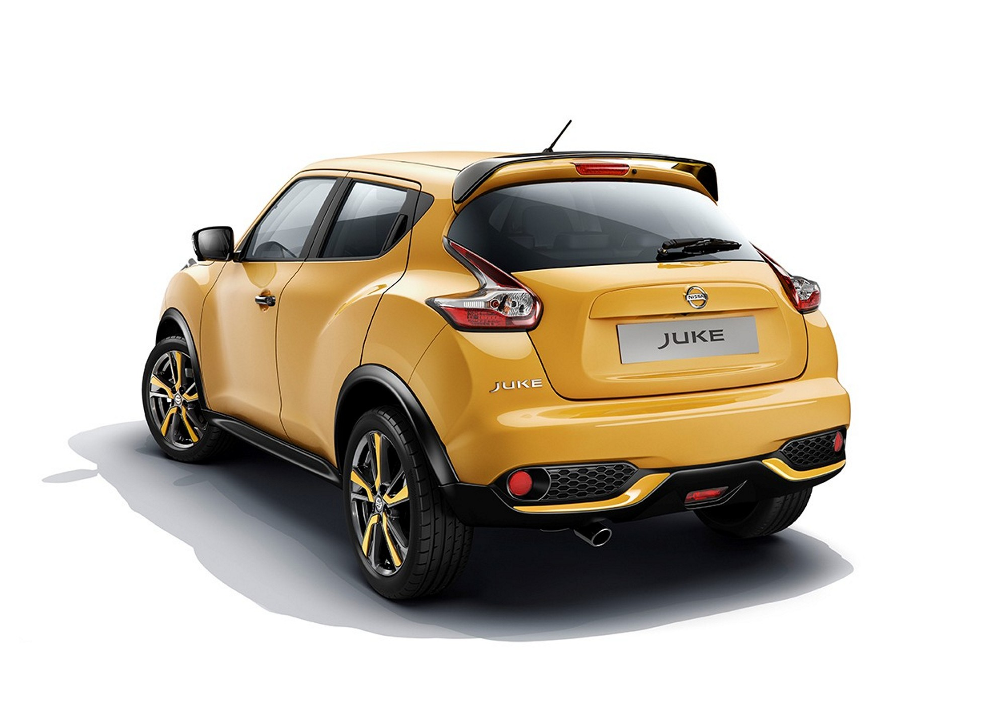 nissan juke makes debut in geneva. Black Bedroom Furniture Sets. Home Design Ideas