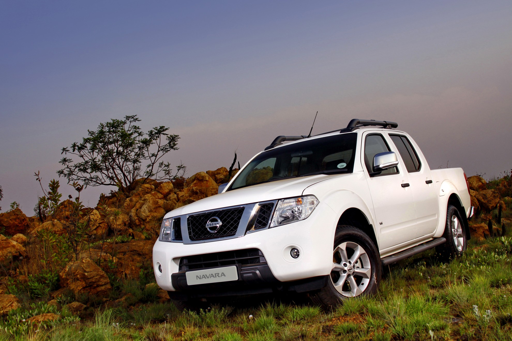 nissan navara south africa. Black Bedroom Furniture Sets. Home Design Ideas