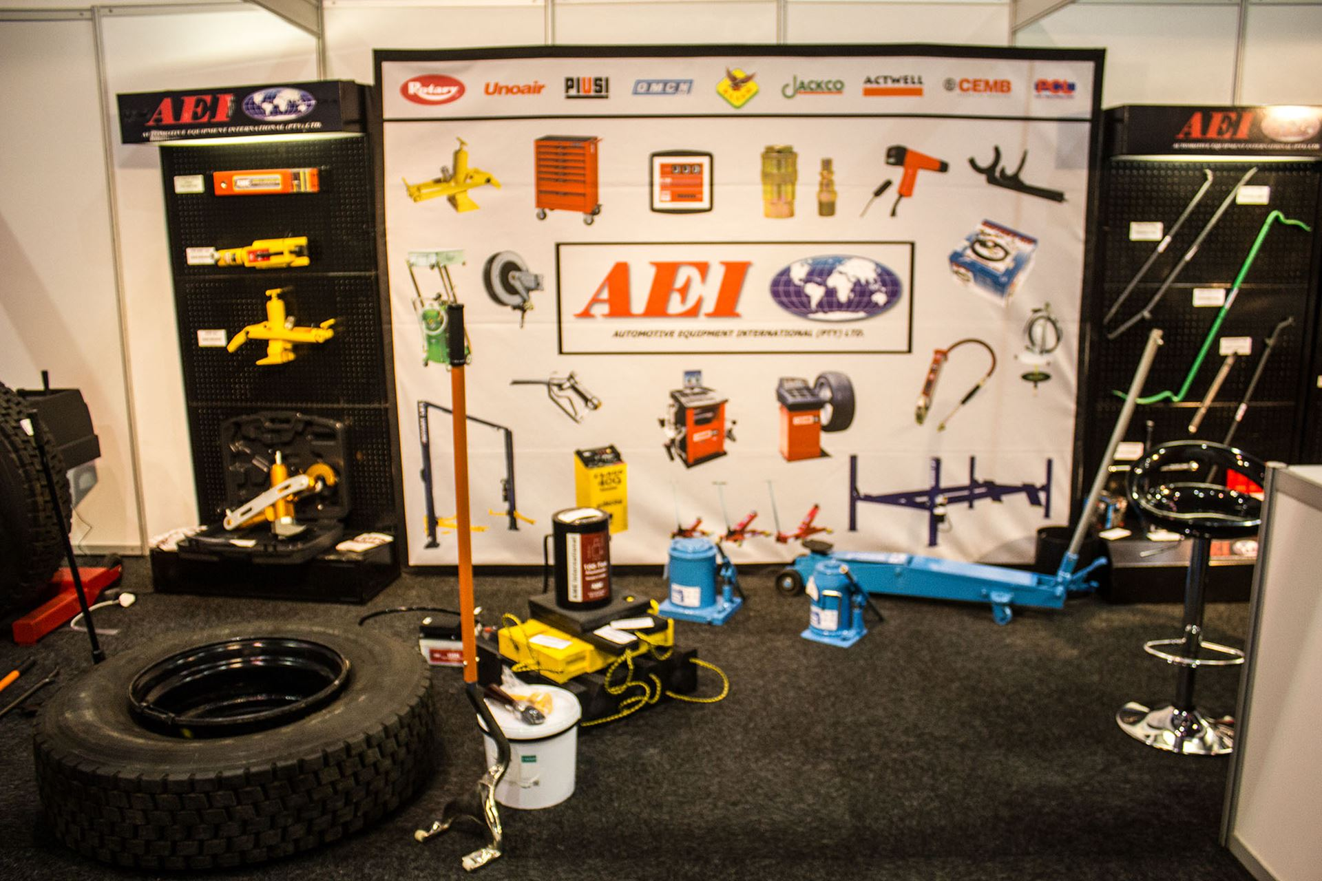 Tyre-Expo-South-Africa-2014-Automotive-Equipment-International-02