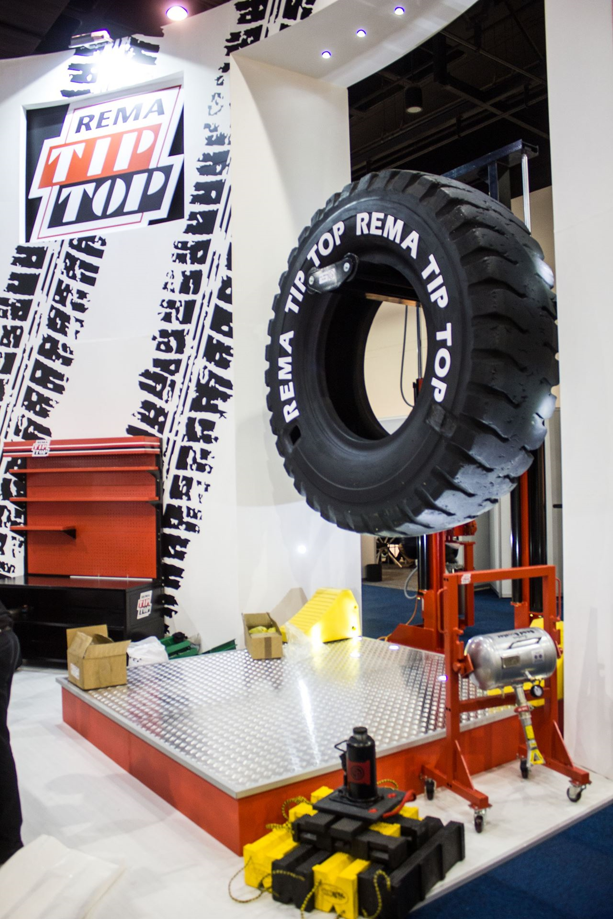 Tyre-Expo-South-Africa-2014-Rema-Tip-Top-03