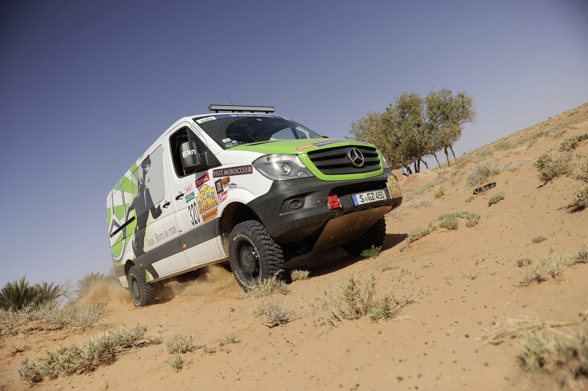new sprinter 4x4 wins 24th rallye a cha des gazelles in morocco. Black Bedroom Furniture Sets. Home Design Ideas