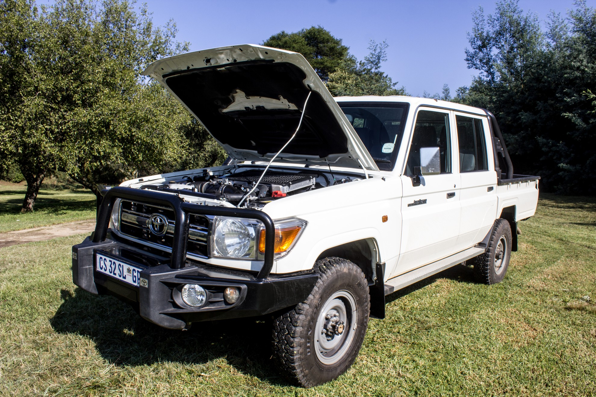 Toyota_Land_Cruiser_LX_V8