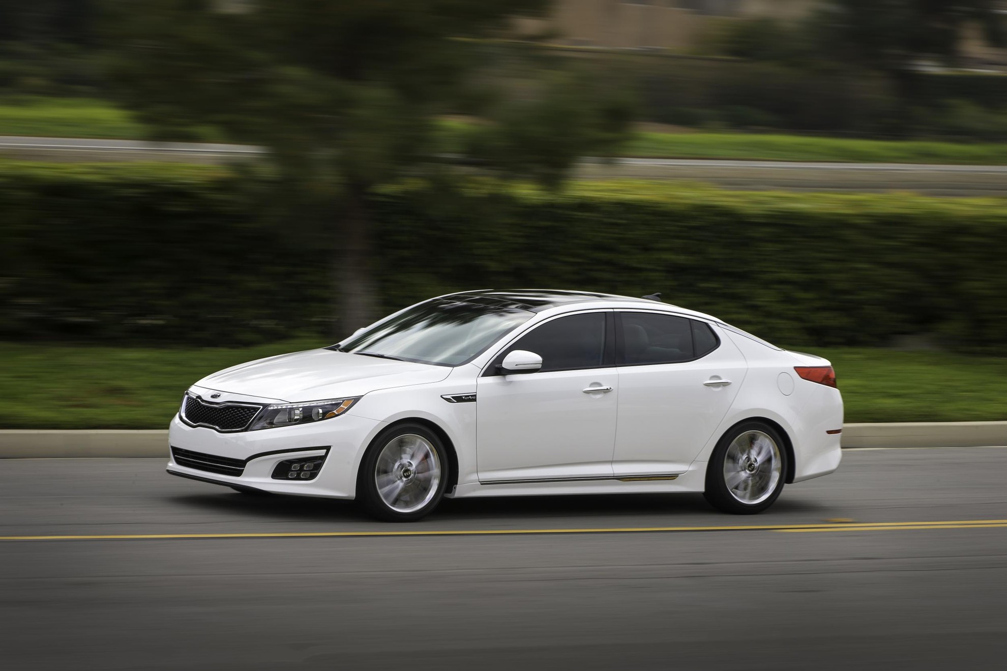 sporty hybrid sedan efficiency kia the optima