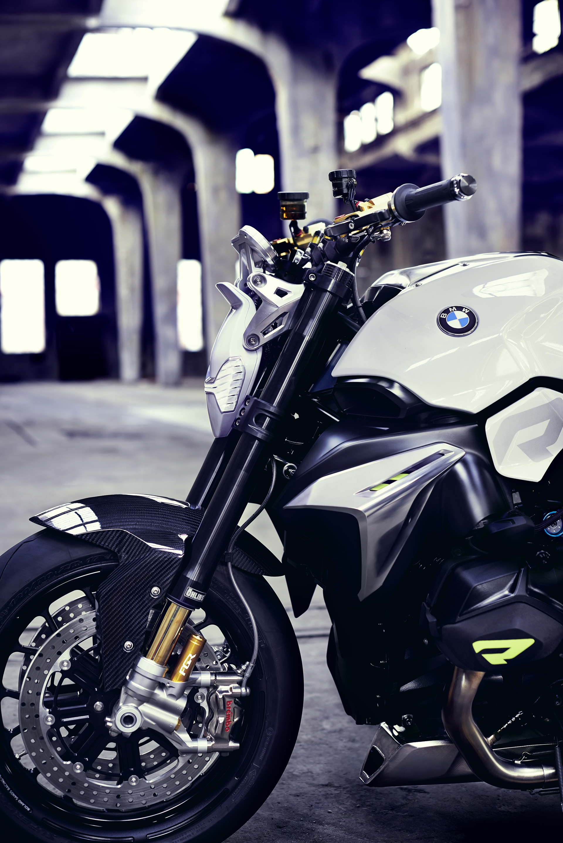 BMW-Motorcycle-Roadster-07
