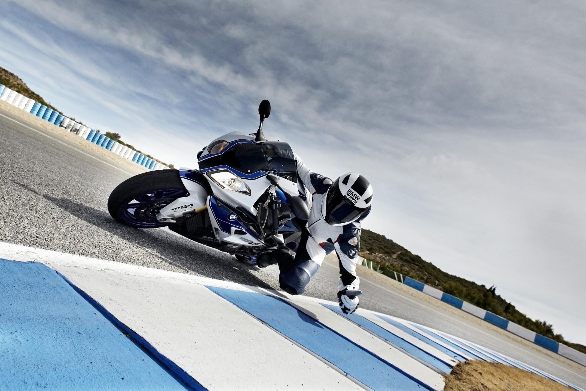 BMW_Best_Sports_Motorcycles_2014