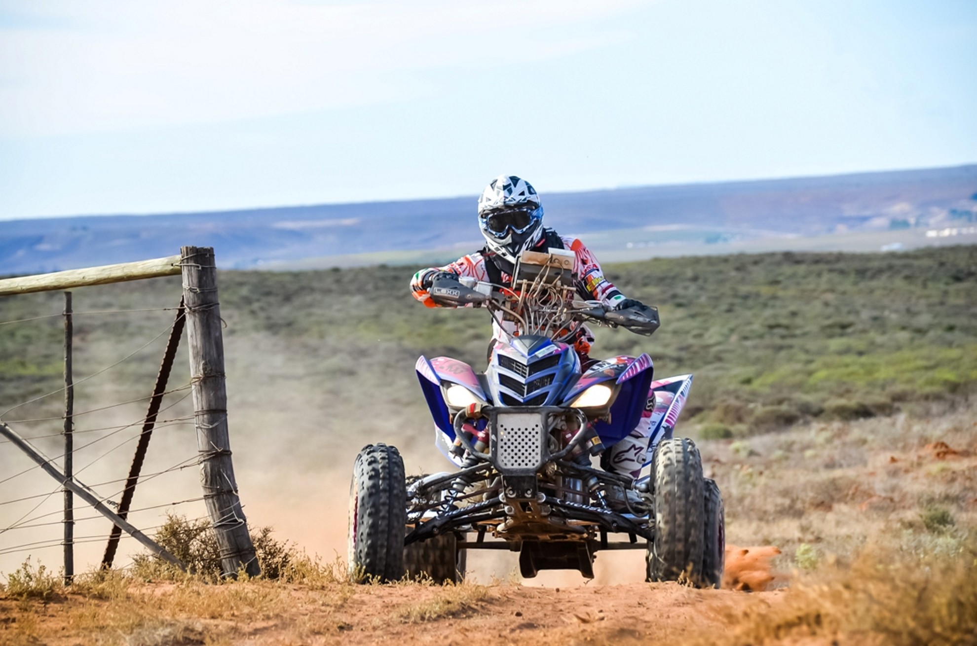 Chardri_Monk_in_action_at_Namaqua_African_Rally
