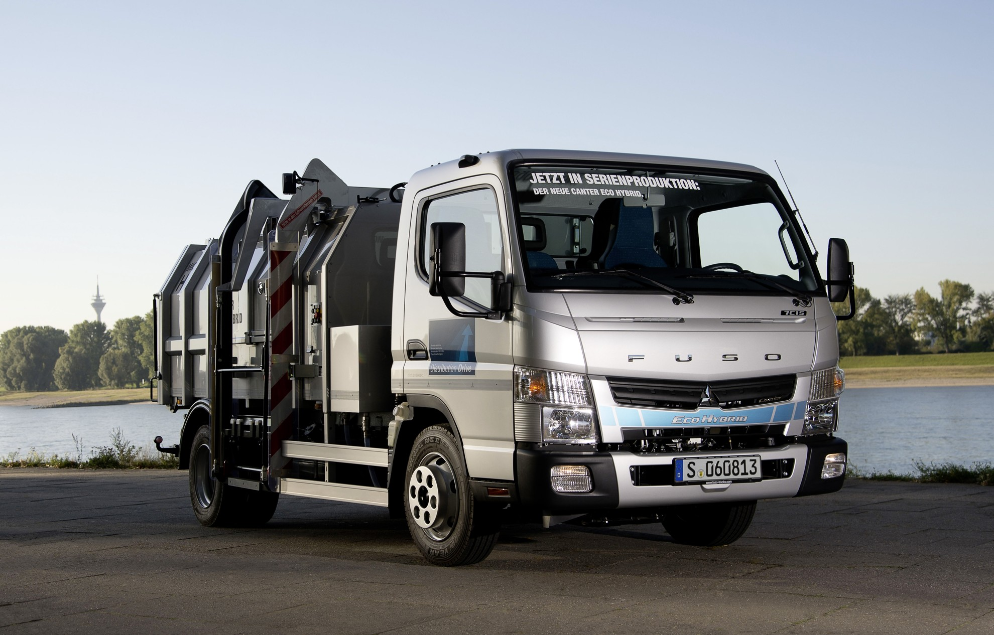 Fuso_Canter_Eco_Hybrid