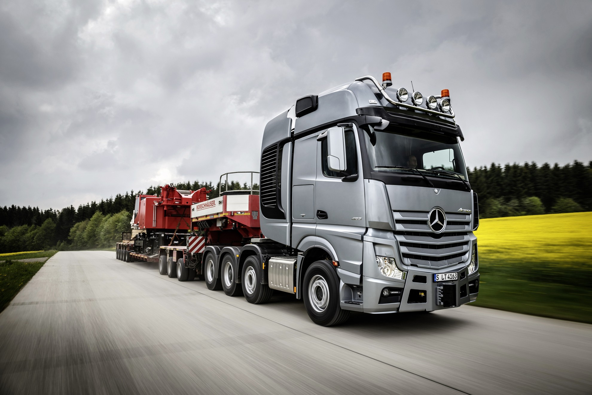 Mercedes benz slt heavy duty trucking for Mercedes benz semi trucks