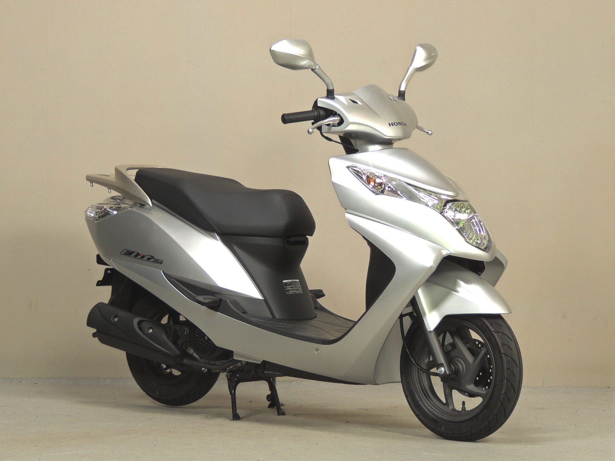 honda elite 125cc scooter launched. Black Bedroom Furniture Sets. Home Design Ideas