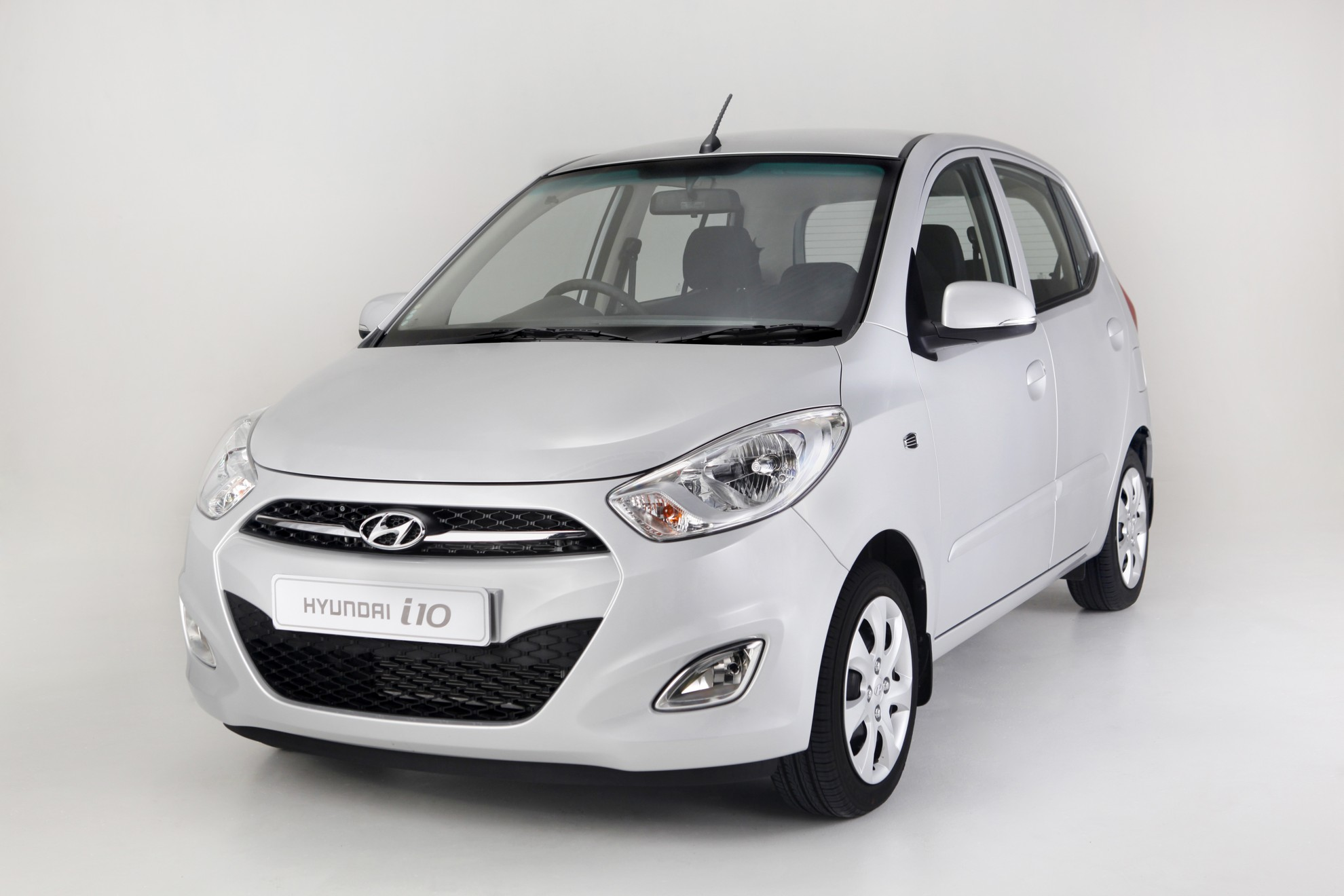 hyundai i10 motion. Black Bedroom Furniture Sets. Home Design Ideas