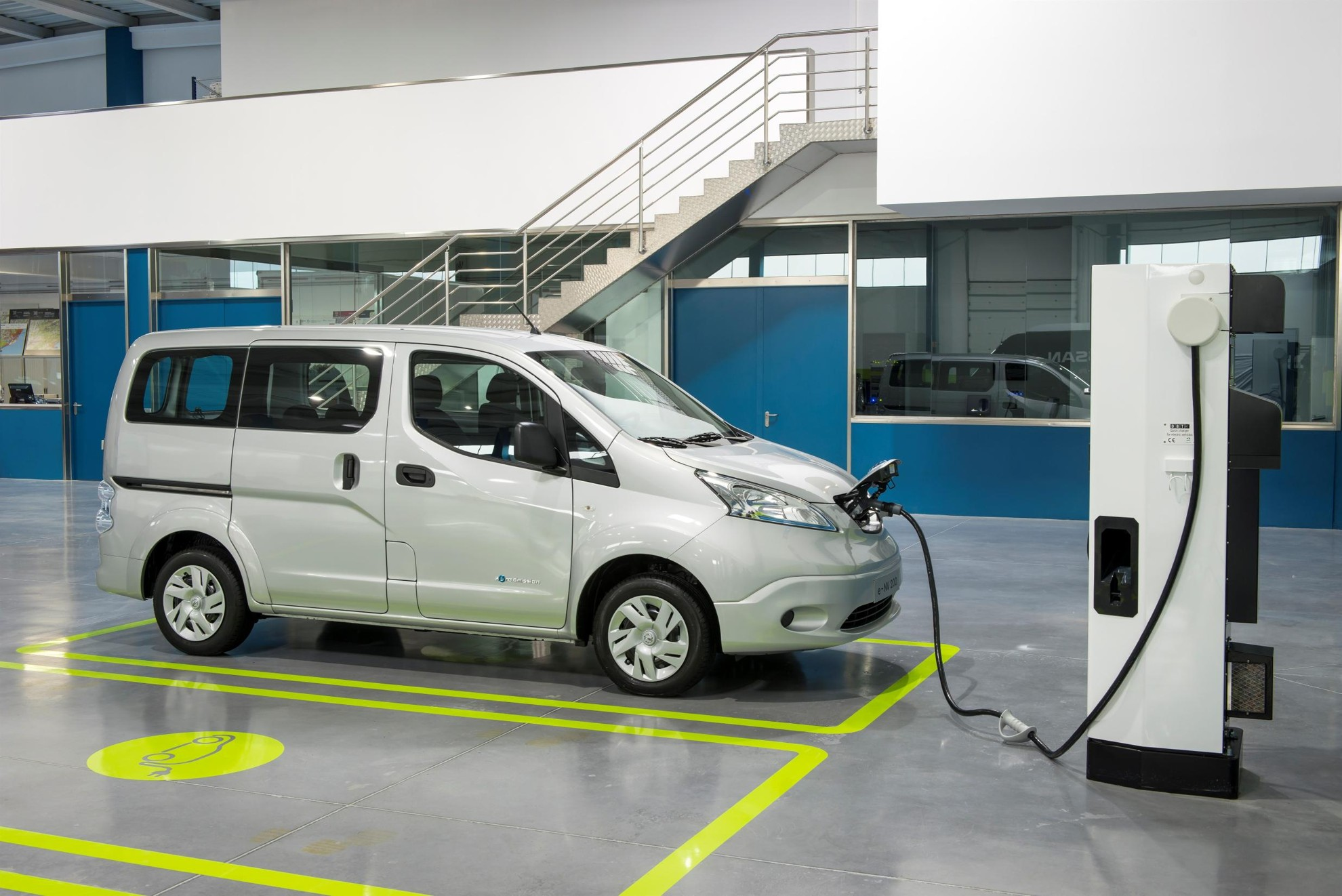 Nissan_e-NV200-Electric-Car