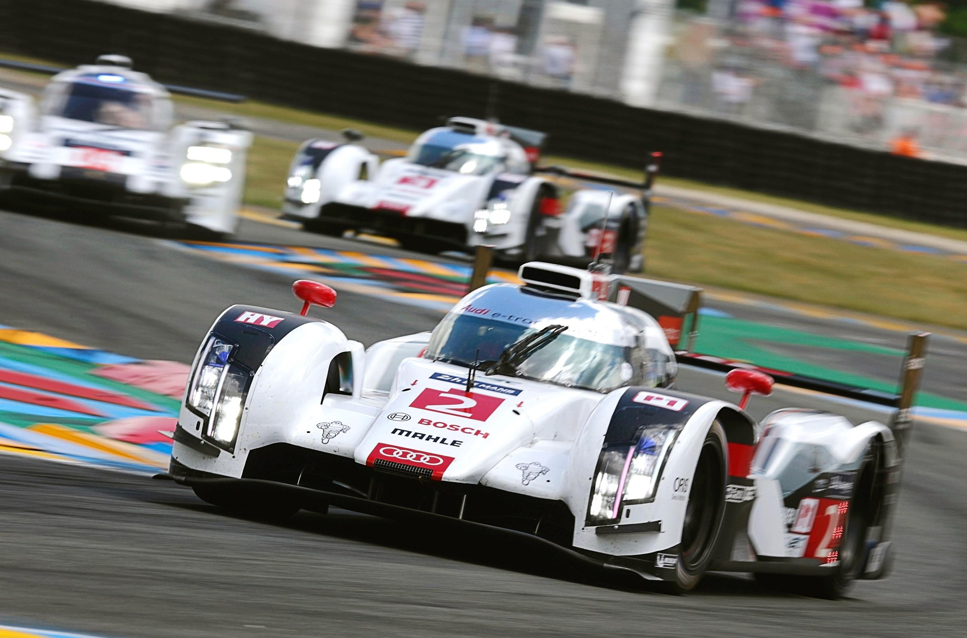Audi cars to benefit from audi le mans race cars for Garage automobile le mans