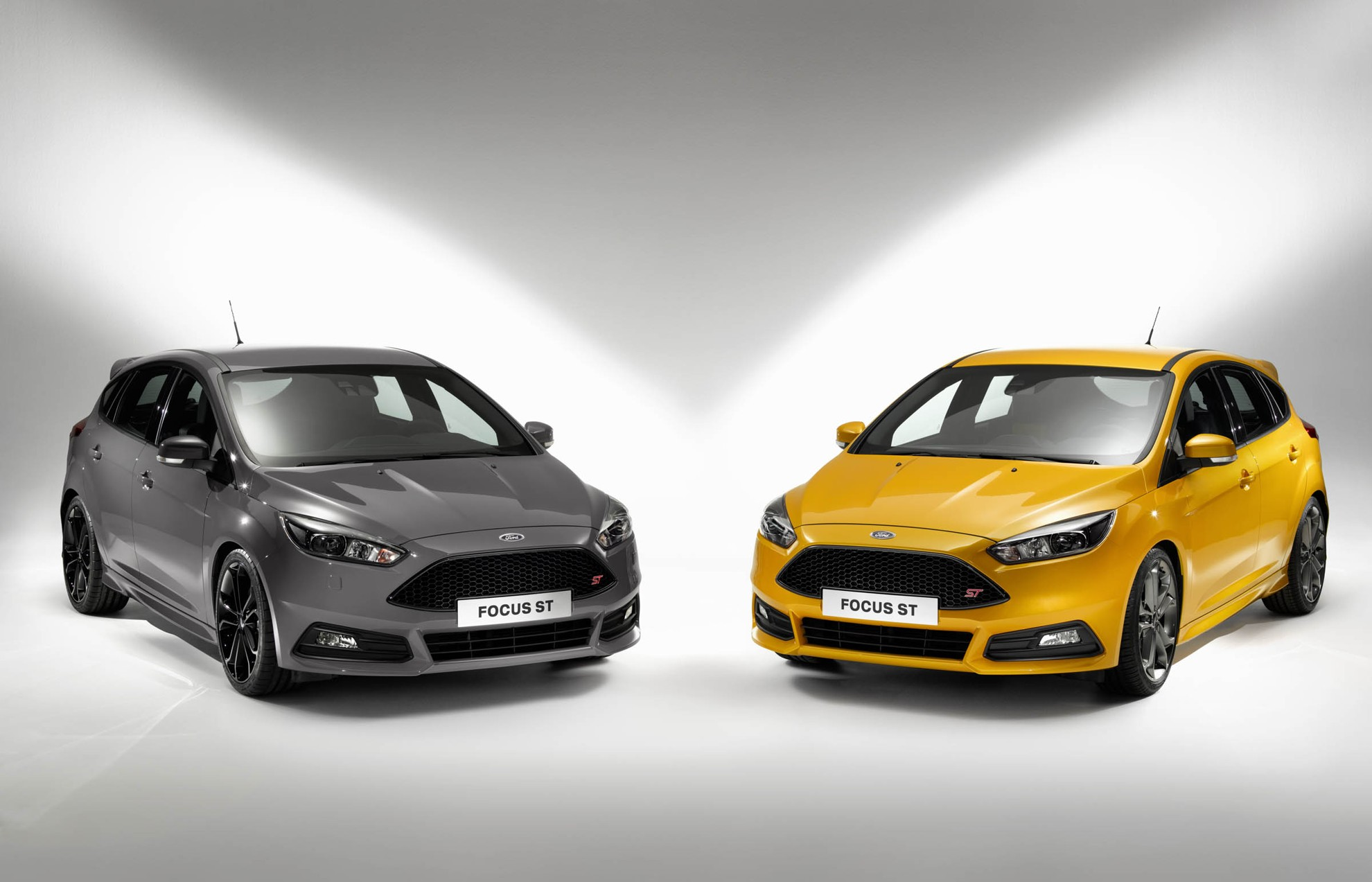 Ford_Focus_ST_2014