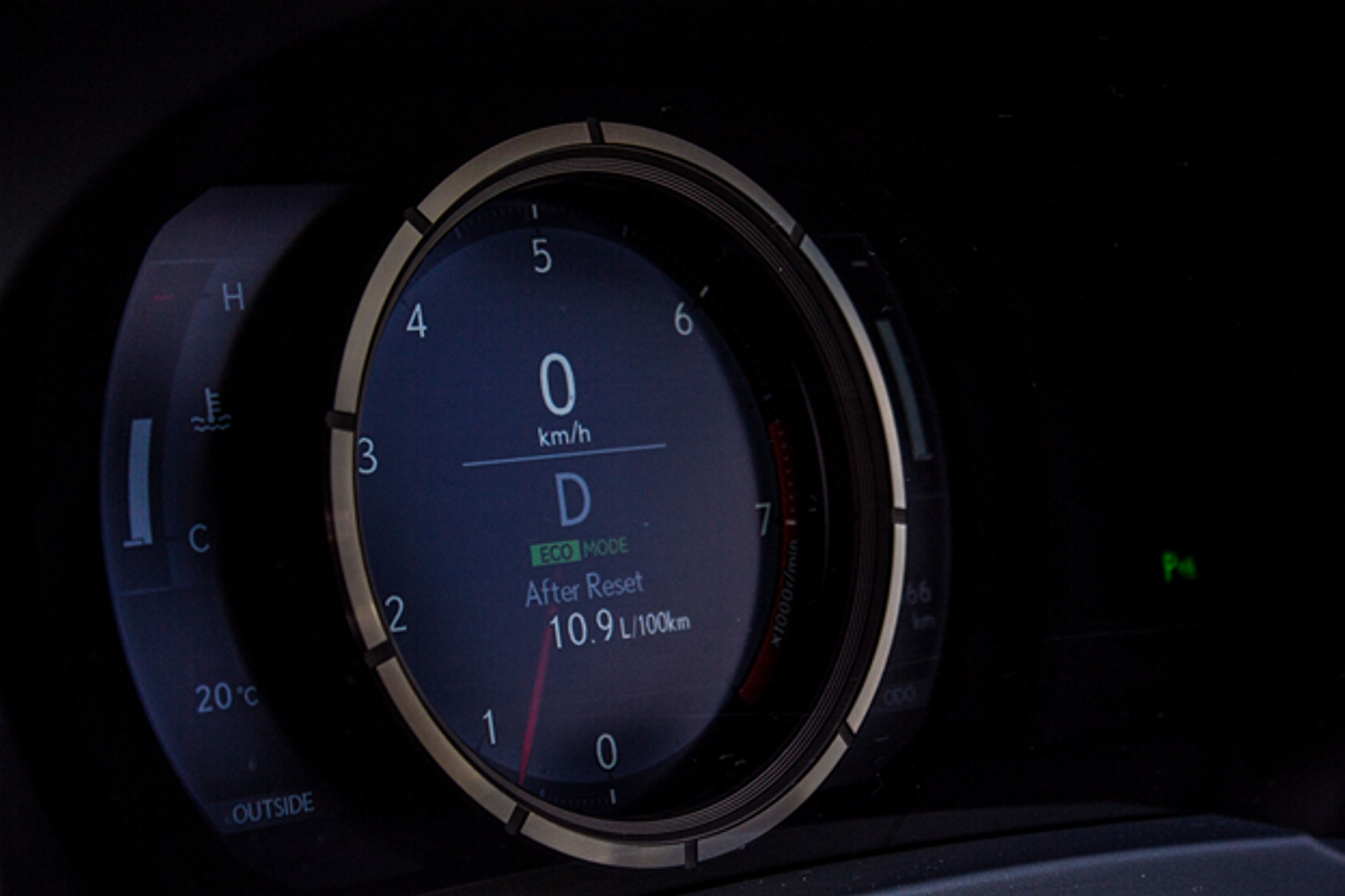 Lexus-IS-350-F-Sport-Speedometer