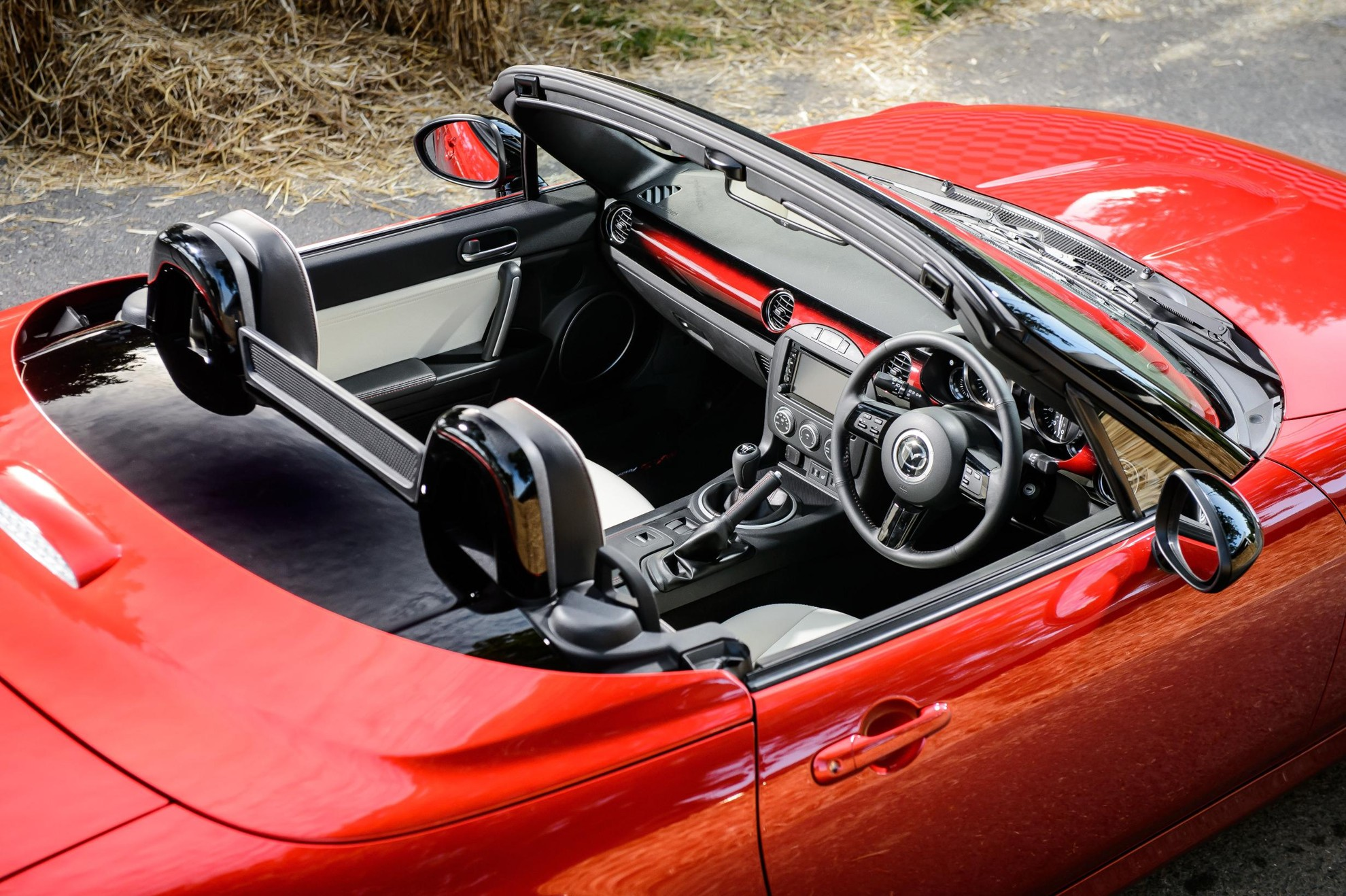 MAZDA_MX-5_Limited-Interior