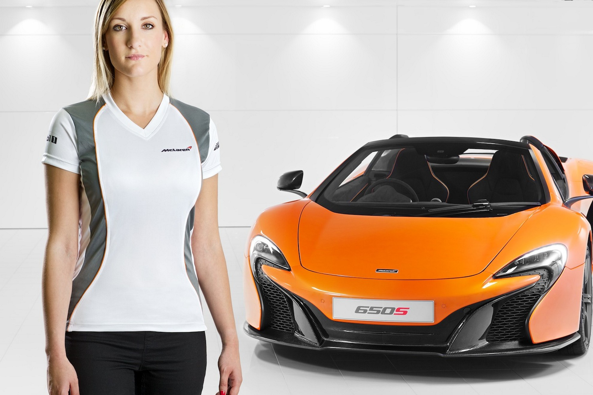 McLaren_Automotive_clothing