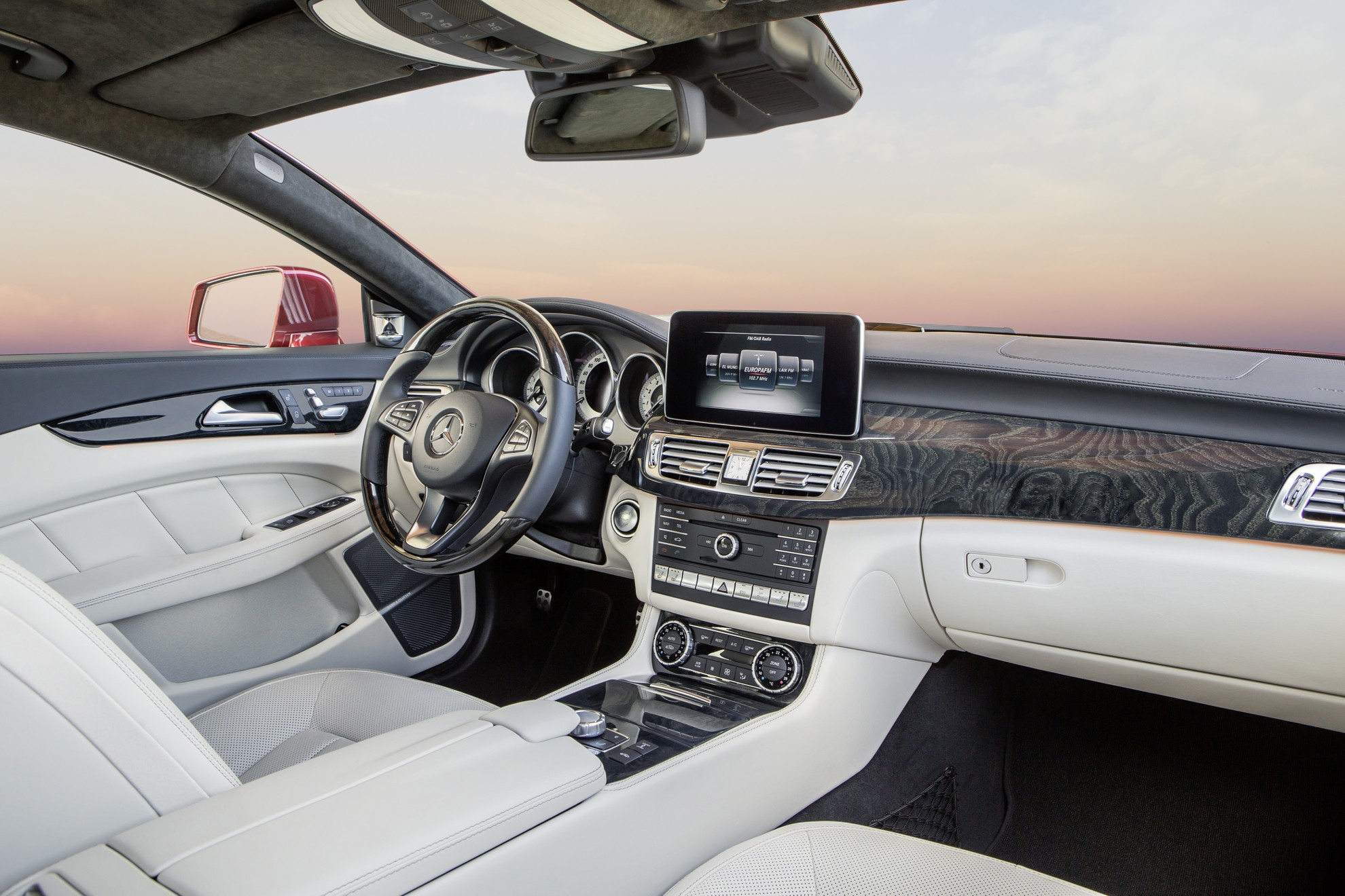 Mercedes-Benz-CLS-Interior