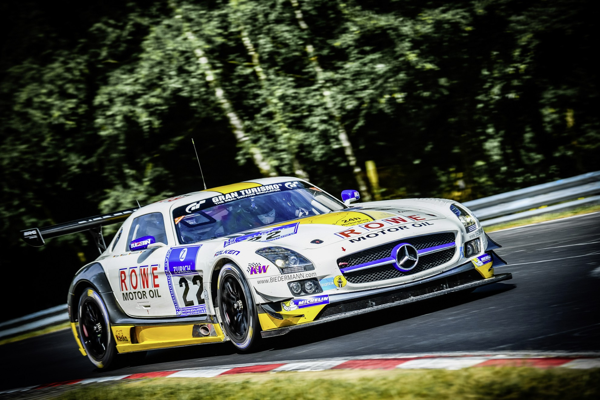 Mercedes-Benz_Nurburgring-24-Hours