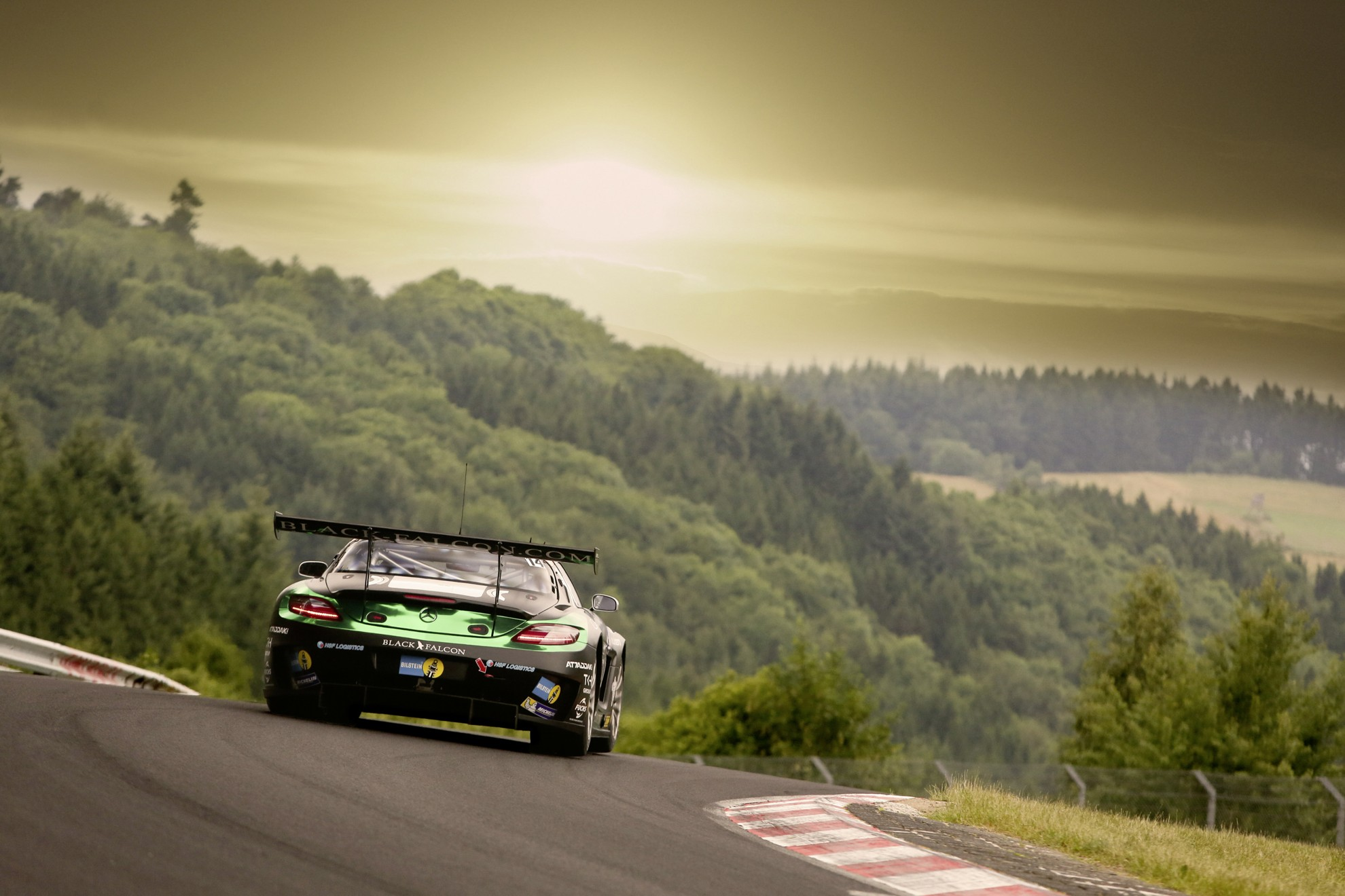 Mercedes-Benz_Nurburgring