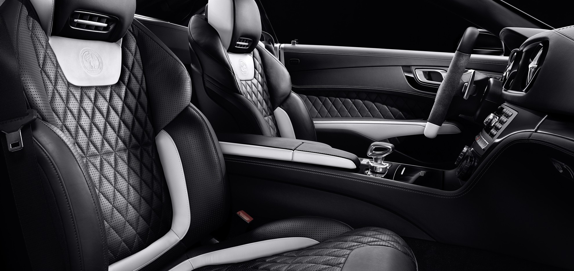 Mercedes-Benz_SL_63_AMG_Interior