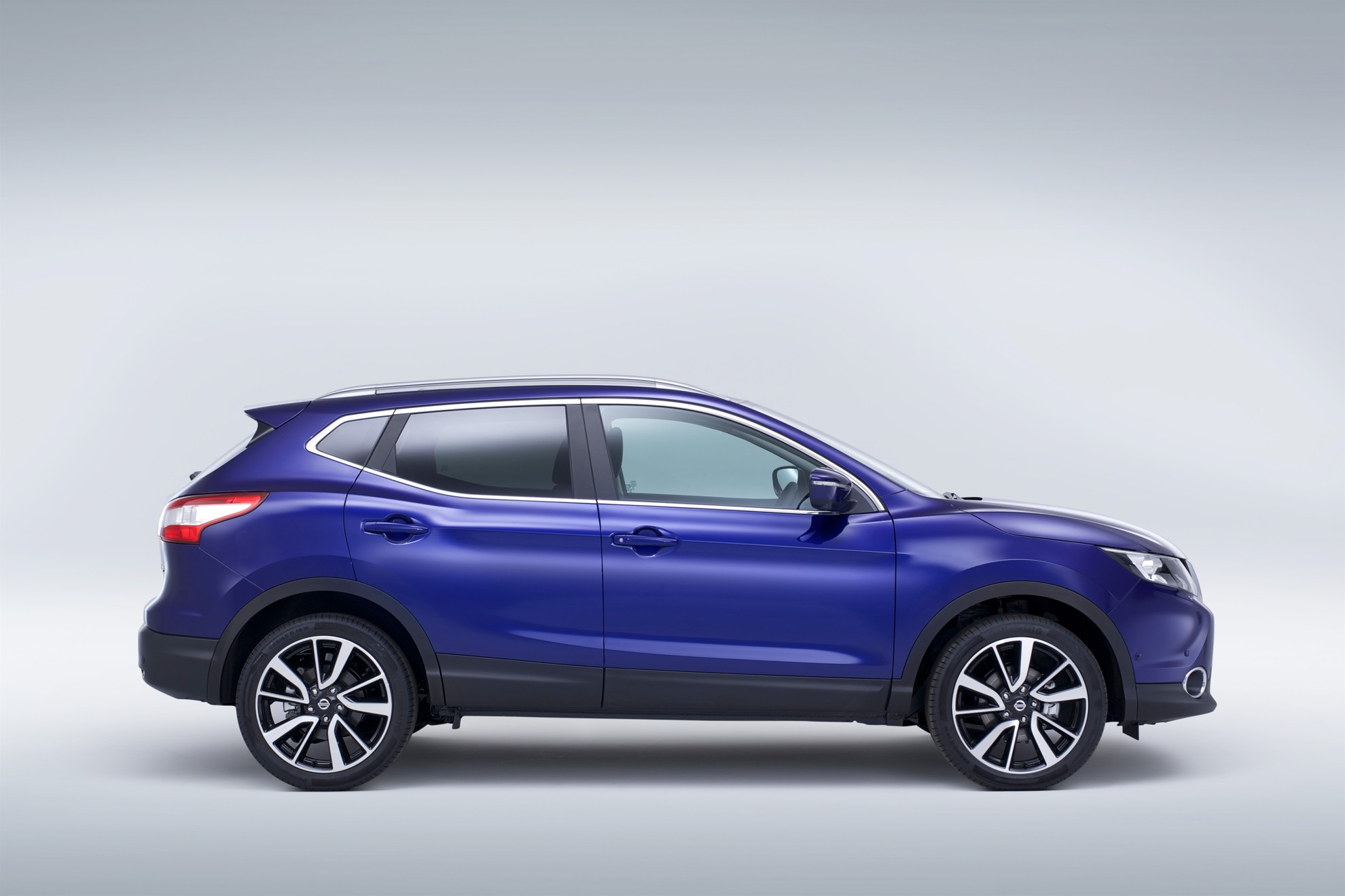 nissan qashqai to make south african debut. Black Bedroom Furniture Sets. Home Design Ideas
