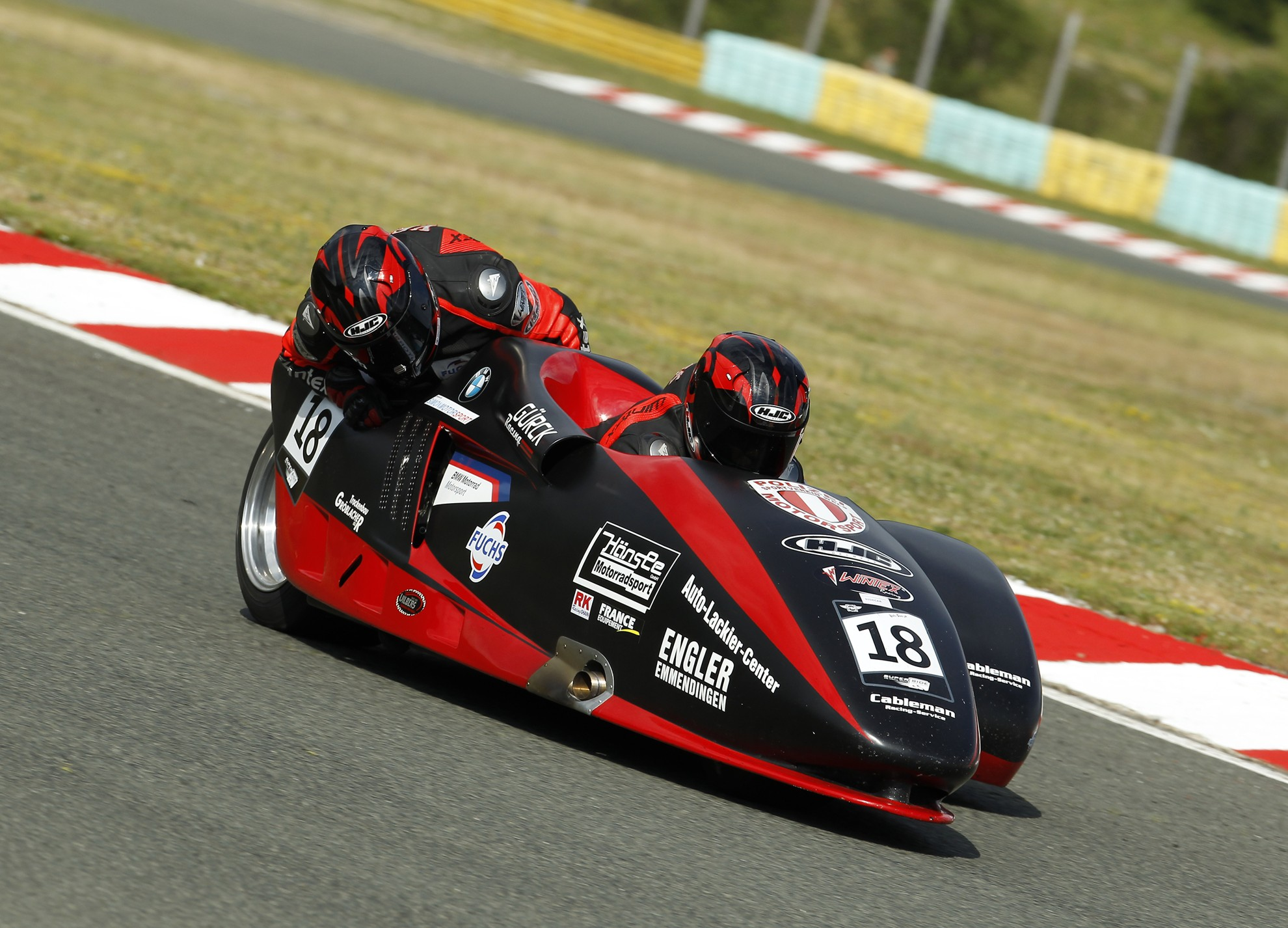 Bmw Motorrad Race Trophy Thrilling Three Way Battle At The Top