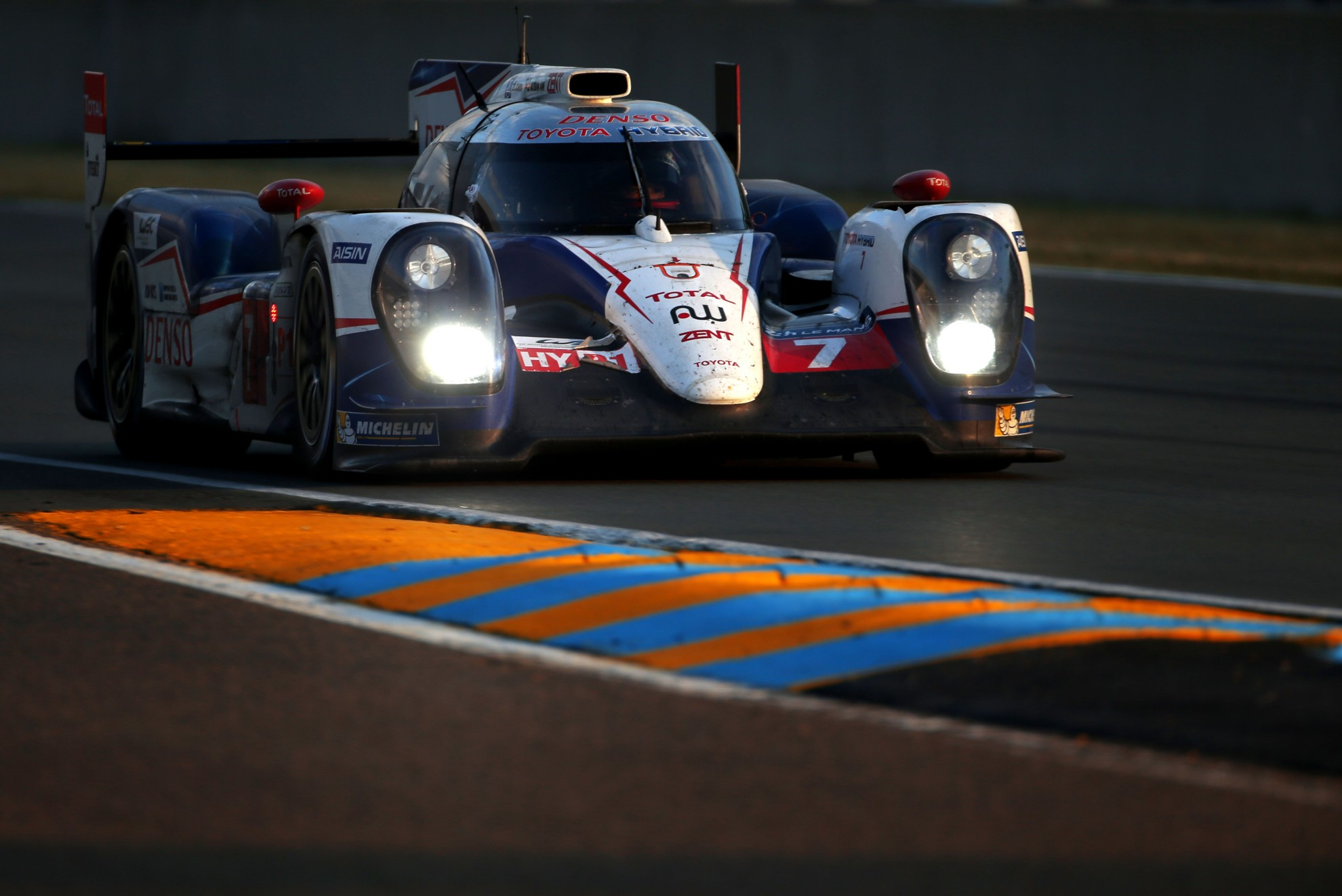 Toyota_Le_Mans_Race_Car