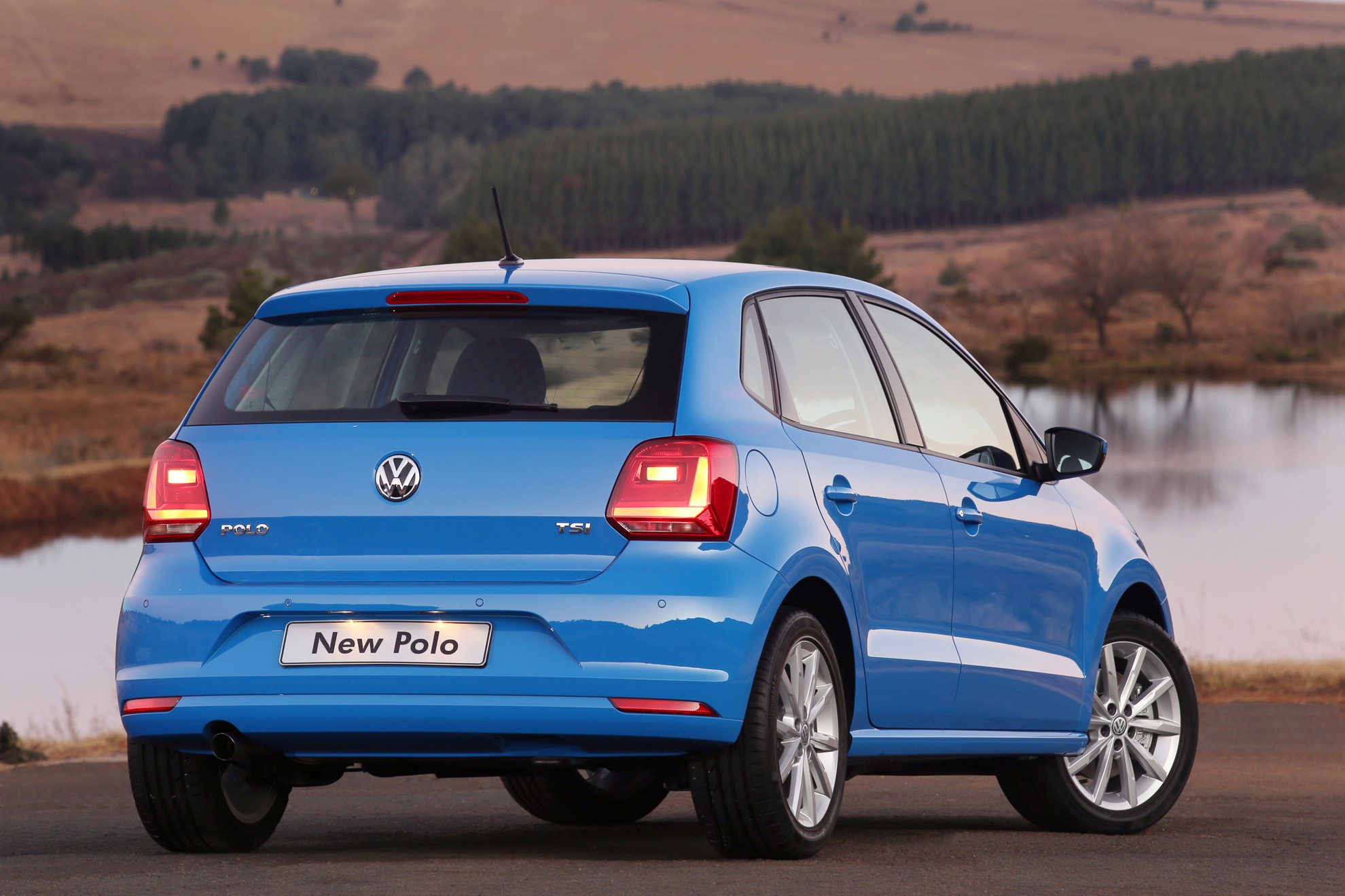 new volkswagen polo 2014. Black Bedroom Furniture Sets. Home Design Ideas