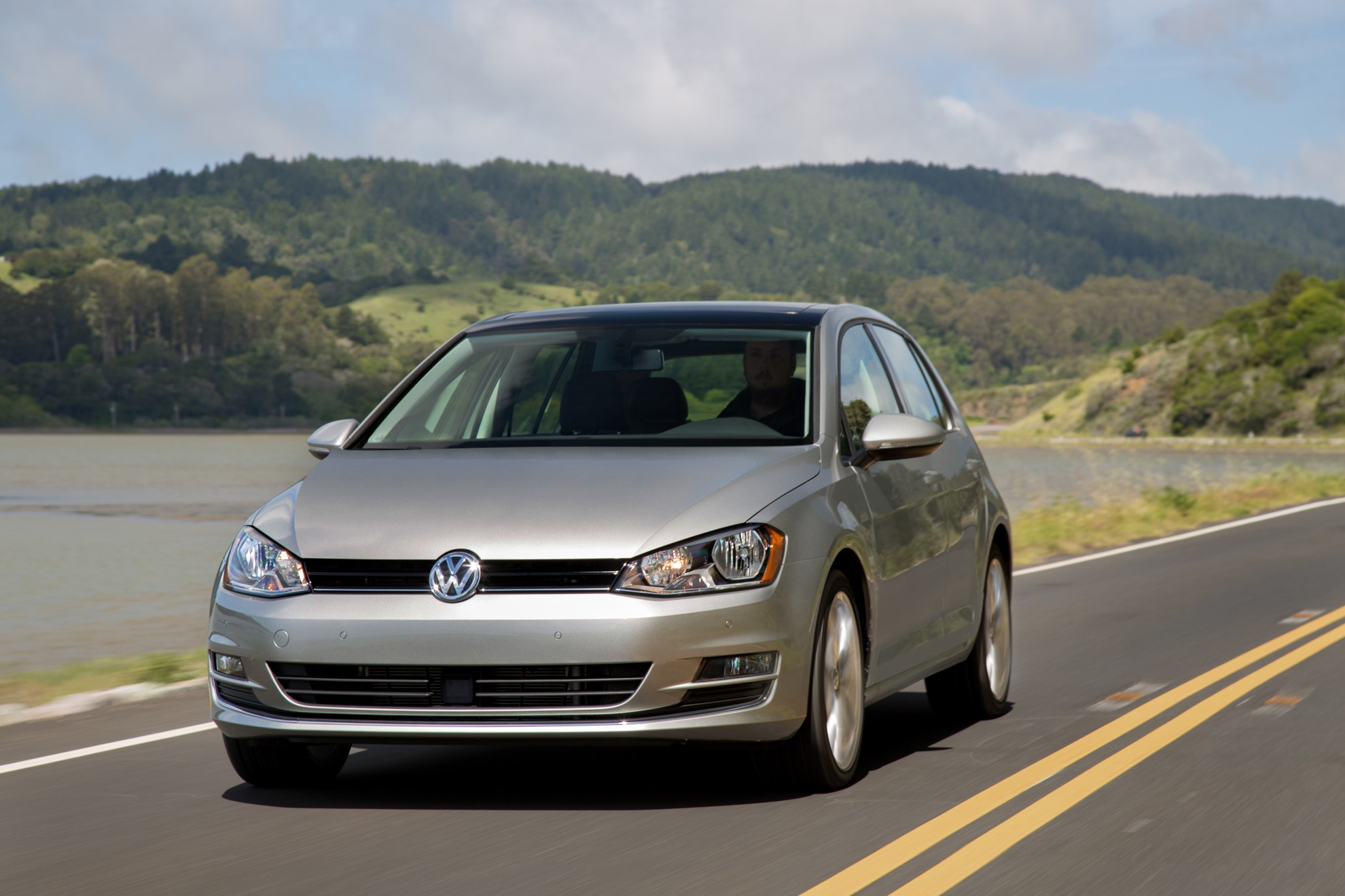 2015_VOLKSWAGEN_GOLF