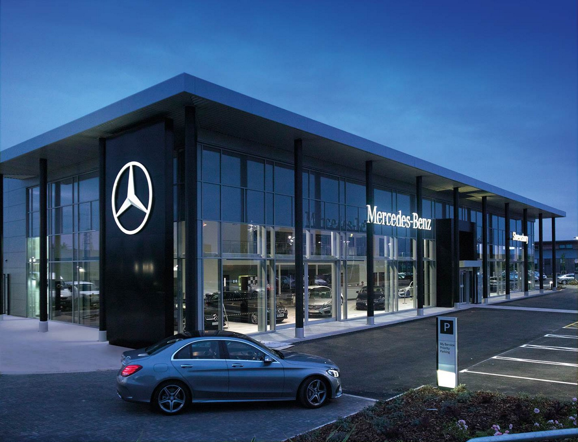 new generation of Mercedes Benz dealer has been revealed for the