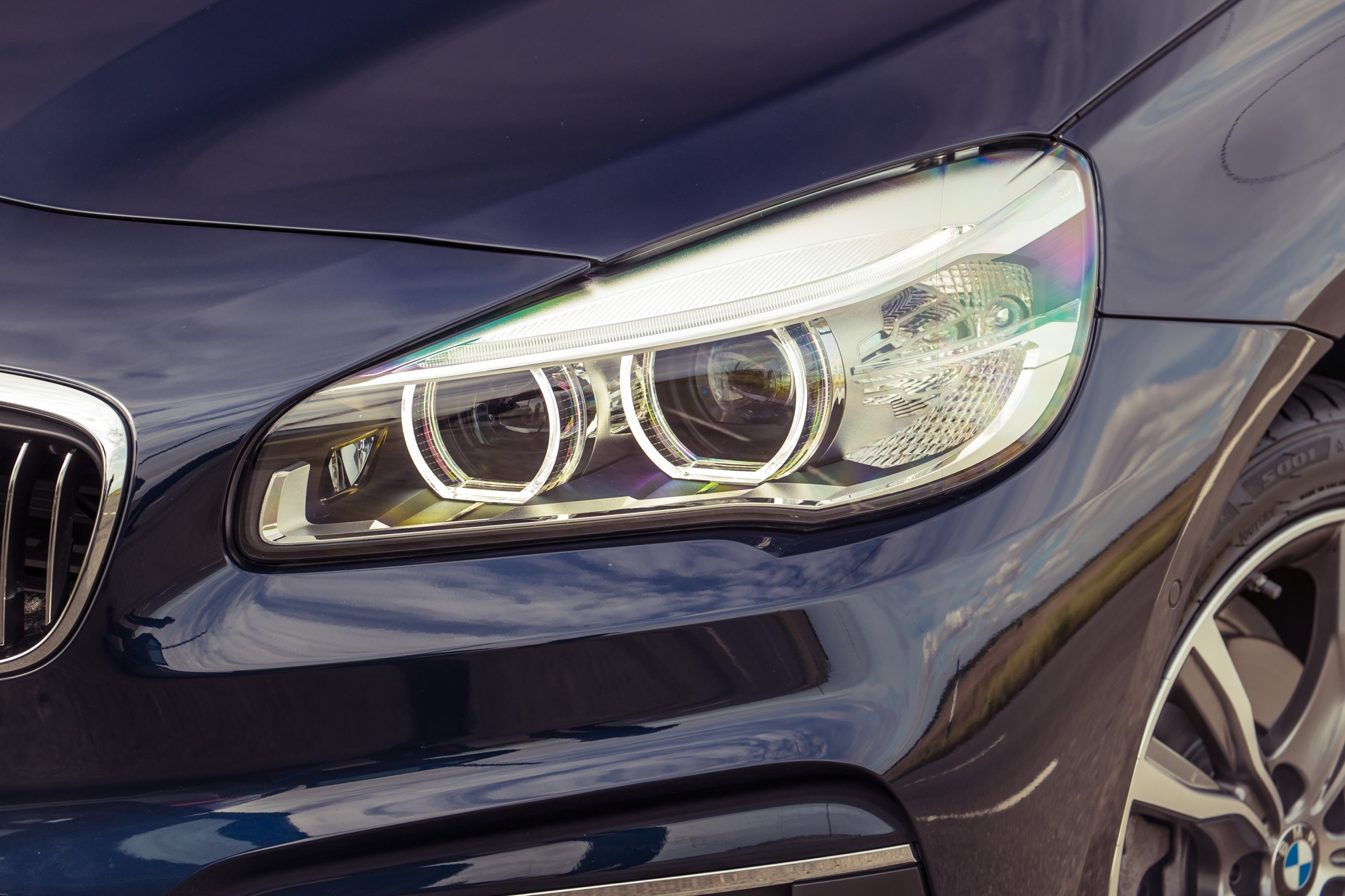 BMW-2-Series-Active-Lights