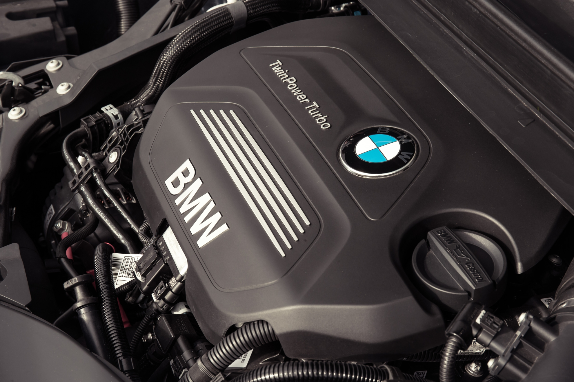 BMW-2-Series-Active-engine