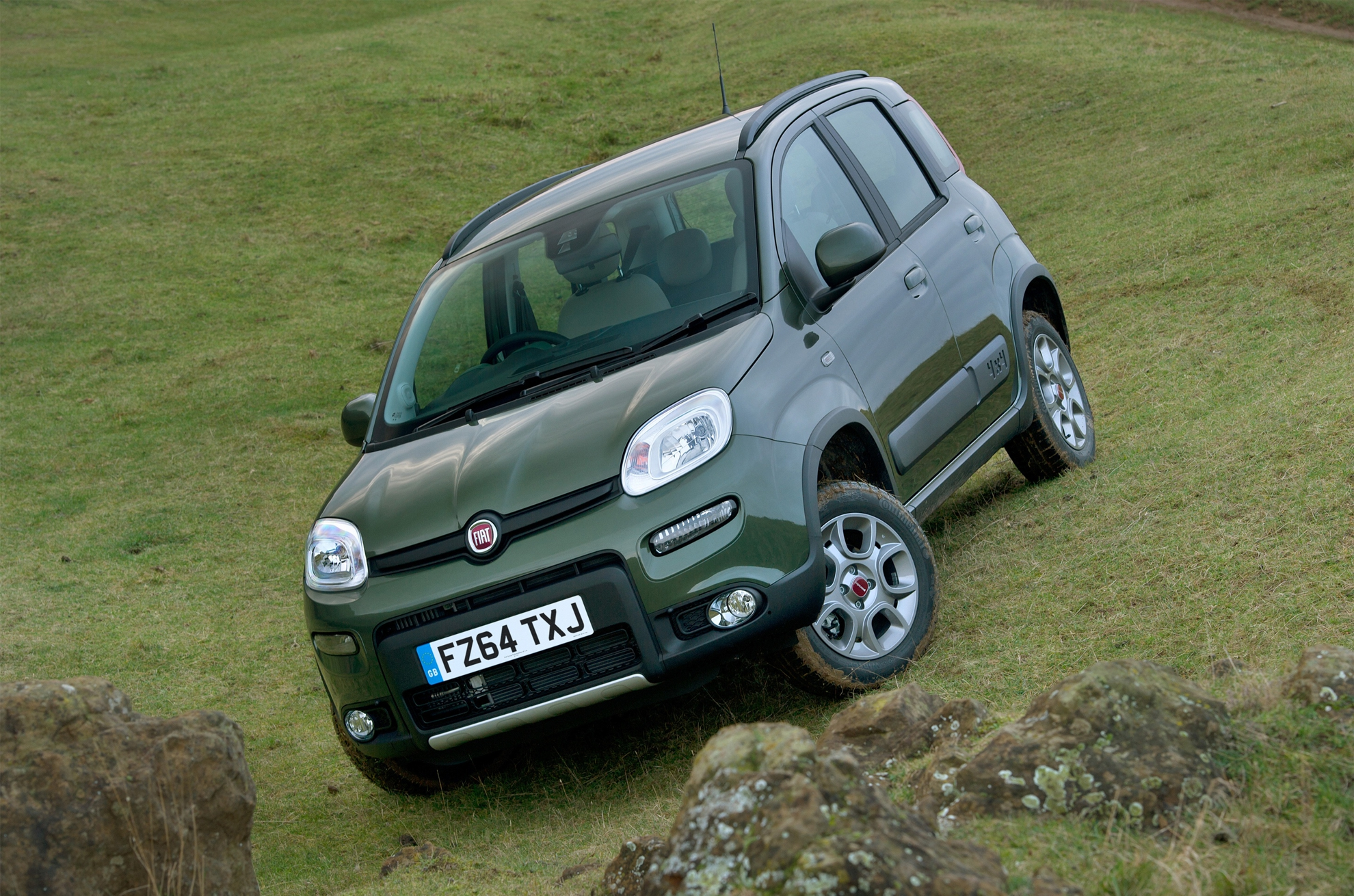 fiat panda 4x4 claims class honours in 2015 caravan club towcar of the year awards. Black Bedroom Furniture Sets. Home Design Ideas