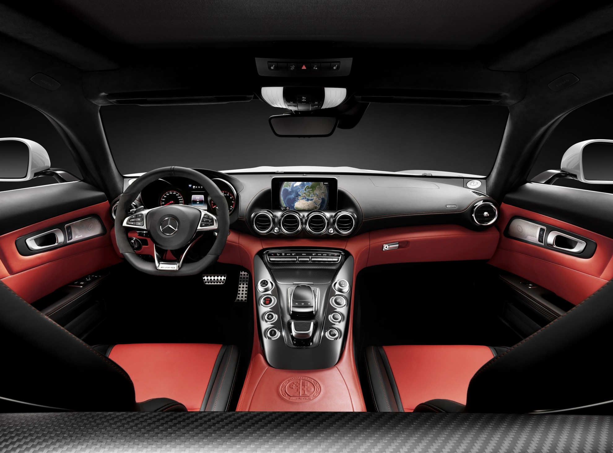 Mercedes-Benz-GT-1-Interior