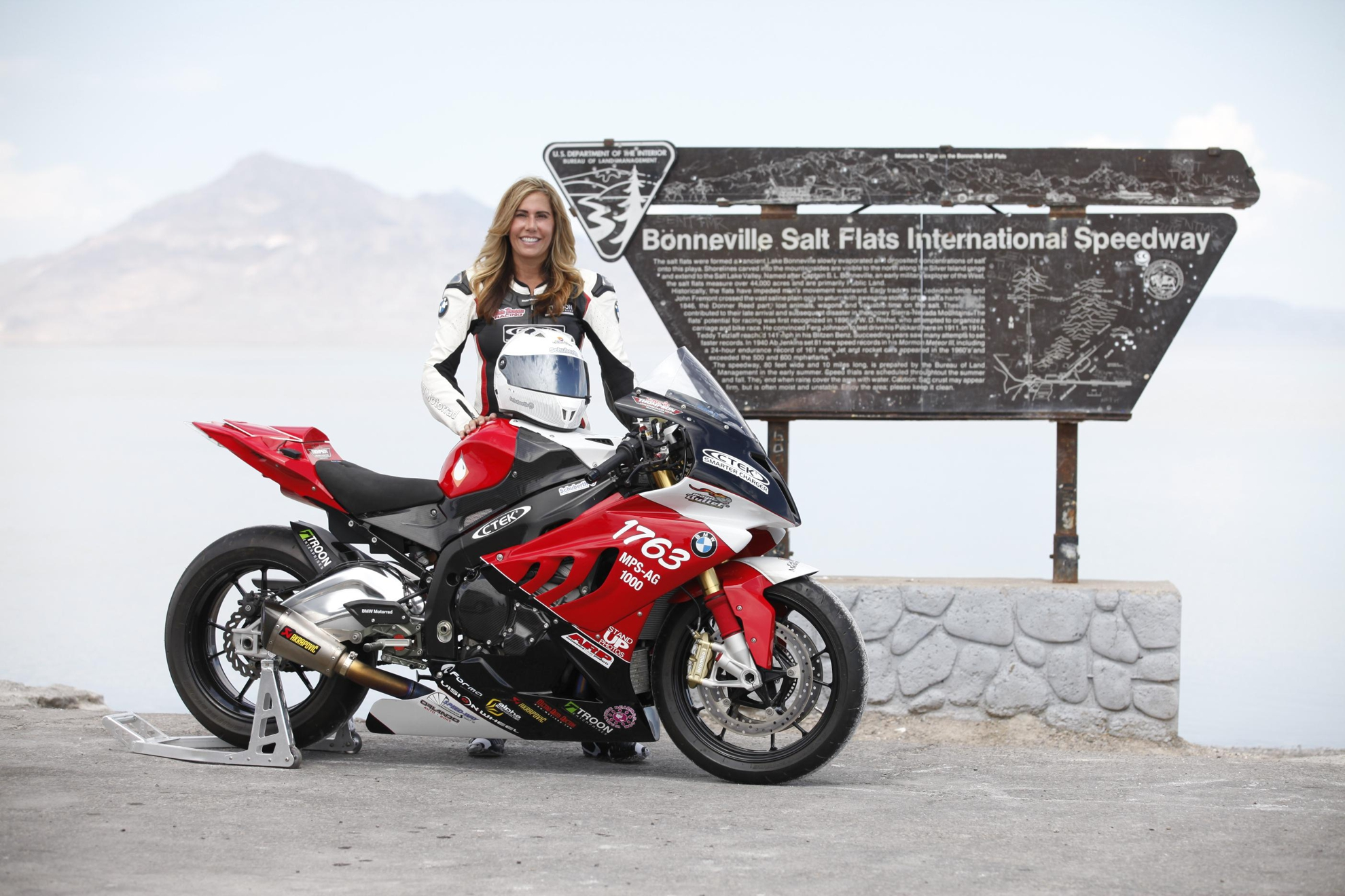 Land Speed Record >> NEW MOTORCYCLE LAND SPEED RECORD AT BONNEVILLE