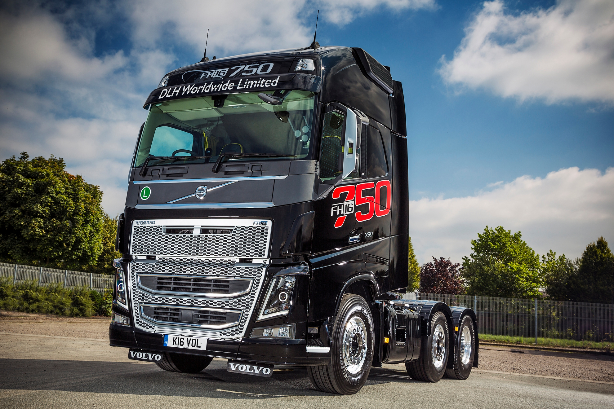 Mike Boyd Caroline Gardner And Their Volvo Fh16 750