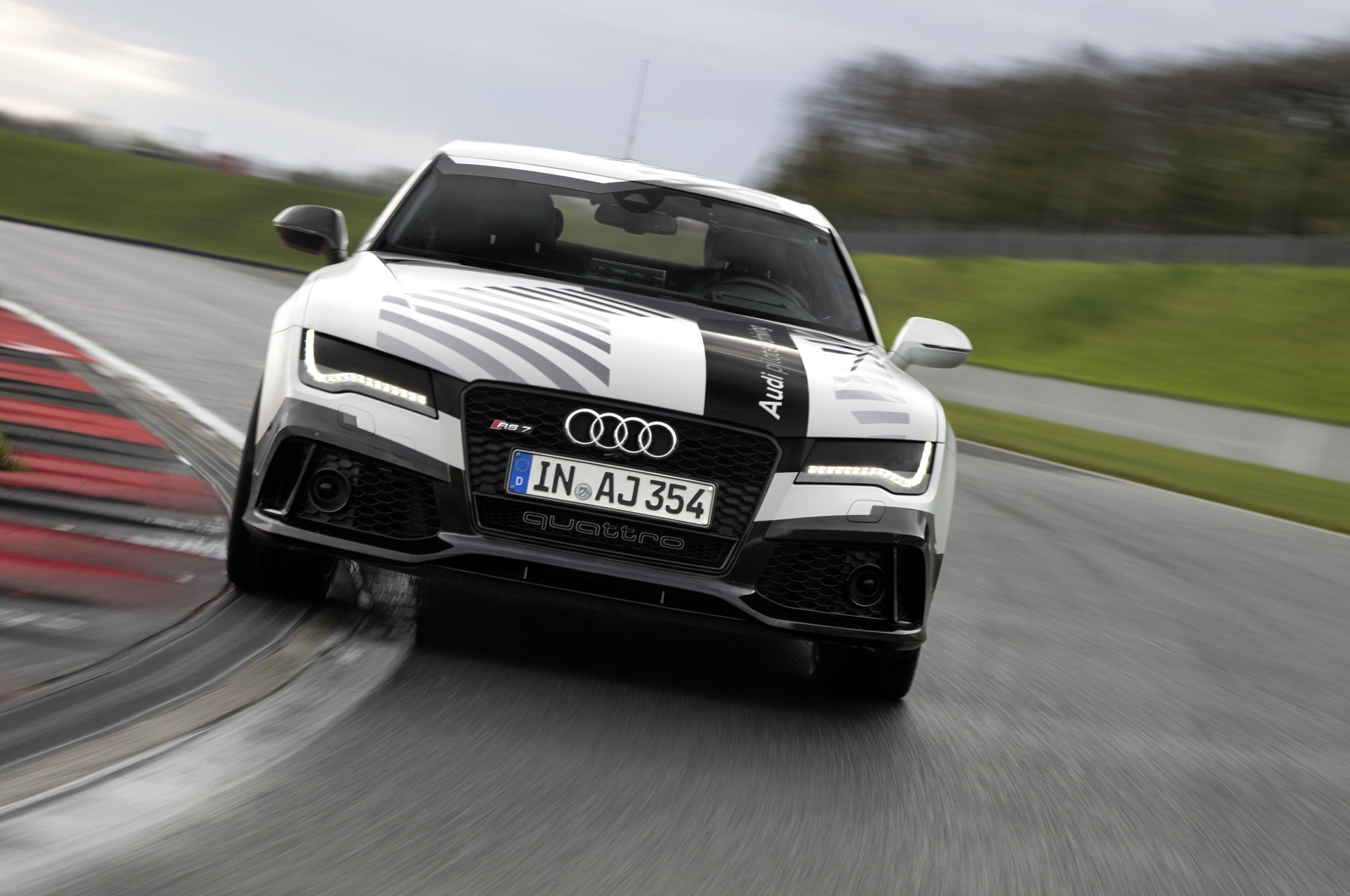 Audi Piloted Driving >> Audi Rs 7 Takes Piloted Driving To The Limit