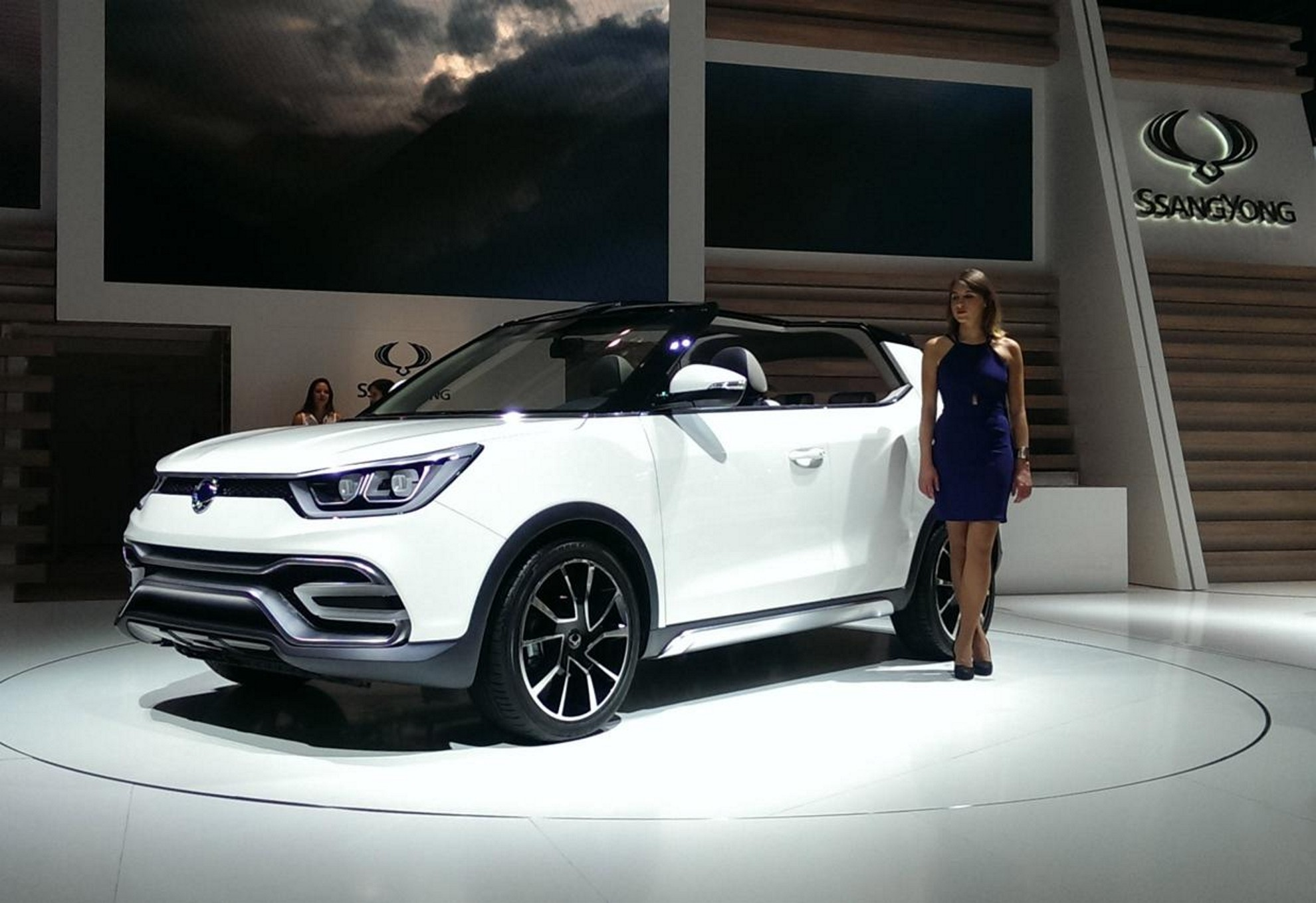 2015-Ssangyong-XIV-Air