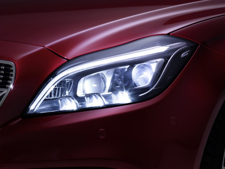 Mercedes-Benz-CLS-Lights